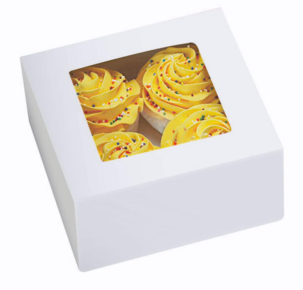 Набор подарочных коробок Wilton Зима, с окошком, 15,8 х 15,8 х 7,6 см, 3 штWLT-415-1215Набор Wilton Зима состоит из трех подарочных коробок, изготовленных из картона и предназначенных для упаковки кондитерских изделий. Изделия оснащены небольшим окошком, благодаря которому можно видеть содержимое коробок. Нам свойственно в первую очередь смотреть на обложку и только потом заглядывать внутрь. Вот почему так важно красиво упаковывать подарки. Оригинальная упаковка для кондитерских изделий - именно тот элемент, который сделает ваш презент особенным и запоминающимся, даря настроение праздника! Размер коробки: 15,8 см х 15,8 см х 7,6 см.