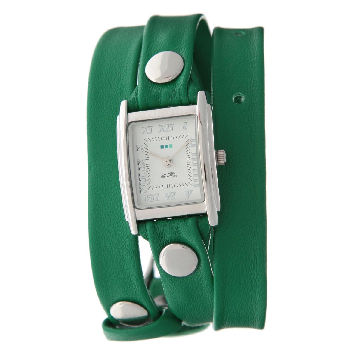 Часы наручные женские La Mer Collections Simple Kelly Green/Silver. LMSTW1012xLMSTW1012xЖенские наручные часы  La Mer Collections позволят вам выделиться из толпы и подчеркнуть свою индивидуальность. Часы оснащены японским кварцевым механизмом Seiko. Ремешок выполнен из натуральной итальянской кожи и декорирован металлическими заклепками. Корпус часов изготовлен из сплава металлов, серебристого цвета. Циферблат оснащен часовой, минутной и секундной стрелками и защищен минеральным стеклом. Часы застегиваются на классическую застежку. Часы хранятся на специальной подушечке в футляре из искусственной кожи, крышка которого оформлена логотипом компании La Mer Collection. Характеристики: Размер циферблата: 25 х 23 х 8 мм. Размер ремешка: 550 х 13 мм. Не содержат никель. Не водостойкие. Собираются вручную в США.