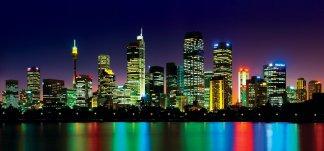 Фотообои Твоя Планета Премиум Ночной город 291 х 136 см, 6 листов4607161056196Основа фотообоев Твоя Планета Премиум - импортная бумага высокого качества и повышенной плотности с нанесенным на неё цветным фотоизображением. Технология сборки фрагментов в единую картину довольно проста. Это наиболее распространенный вид обоев, позволяющих создать в квартире (комнате) определенное настроение и даже несколько расширить оптический объем. Фотообои пользуются популярностью потому, что они недорогие и при этом позволяют получить массу удовольствий при созерцании изображения.