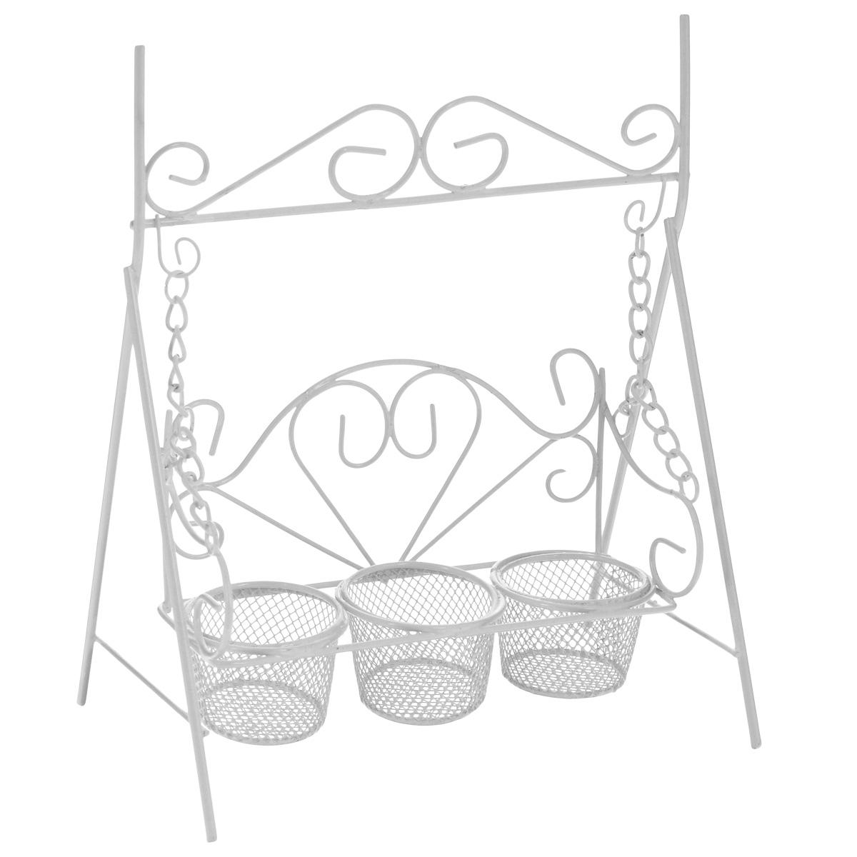 Подсвечник декоративный ScrapBerrys Качели, на 3 свечи, цвет: белый, 17,5 х 11 х 21 смSCB271044Подсвечник ScrapBerrys Качели выполнен из высококачественного металла и предназначен для трех чайных свечей. Подсвечник выполнен в виде небольших декоративных качелей. Изделие украшено изящными коваными узорами. Такой подсвечник подойдет для декора интерьера дома или офиса. Кроме того - это отличный вариант подарка для ваших близких и друзей. Размер подсвечника: 17,5 см х 11 см х 21 см. Диаметр отверстия для свечи: 4 см.