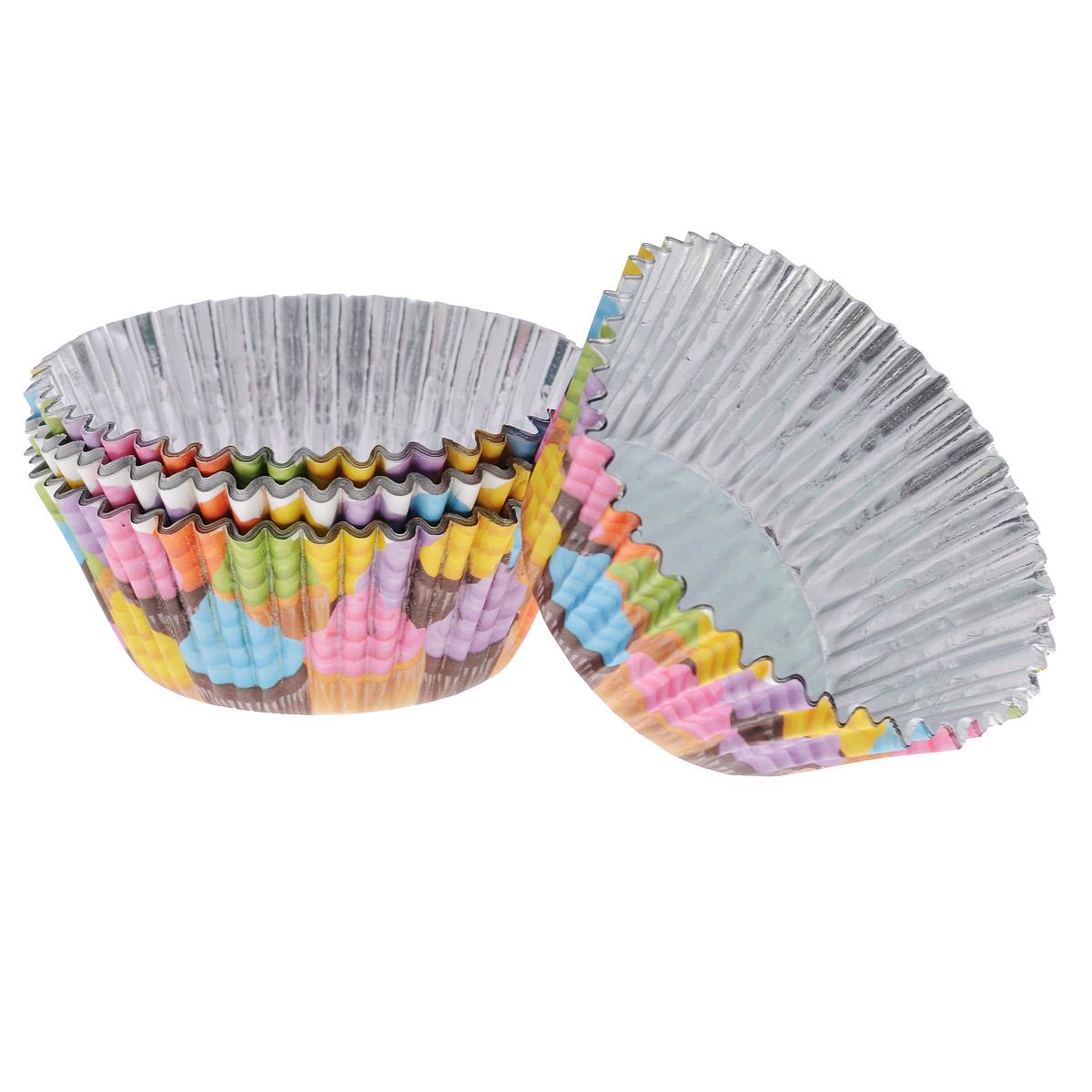 Набор бумажных форм для кексов Wilton Кексы, диаметр 7 см, 36 штWLT-415-2150Набор Wilton Кексы состоит из 36 бумажных форм для кексов. Они предназначены для выпечки и упаковки кондитерских изделий, также могут использоваться для сервировки орешков, конфет и др. Внутри формы оснащены специальным фольгированным вкладышем, благодаря которому изделия не требуют предварительной смазки маслом или жиром. Гофрированные бумажные формы идеальны для выпечки кексов, булочек и пирожных. Высота стенки: 3 см. Диаметр (по верхнему краю): 7 см. Диаметр дна: 5 см.