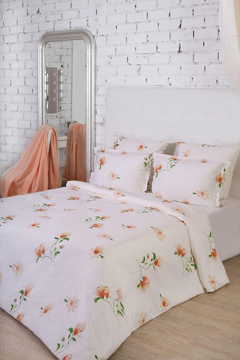 Комплект белья La Prima Идилия (2-спальный КПБ, сатин, наволочка-трансформер 50х70/70х70), белыйB19-6Дизайн Идиллия выполнен в нежной бело-бежевой гамме, дополненной изящными цветами. Главным вдохновителем на создание этого дизайна стала природа с ее непревзойденными цветами и текстурами. Бело-бежевые тона — прекрасная основа для других цветов, которые на его фоне будут смотреться еще выигрышней и ярче. Именно поэтому данный дизайн подойдет для интерьеров, в которых планируется использовать большое количество акцентов. Ткань Сатин (100% хлопок), в которой выполнен дизайн - идеально гладкая и нежная на ощупь, она дарит неповторимый комфорт во время сна и делает постельное белье истинным украшением спальни. Кроме того, постельно белье из ткани сатин очень прочное и износостойкое,приятное и легкое в уходе.
