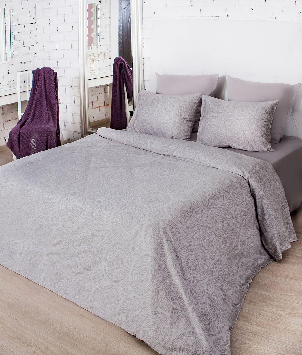 Комплект белья La Prima Тиффани (1,5-спальный КПБ, мако-сатин, наволочка-трансформер 50х70/70х70), серыйRC-100BWCДизайн Тиффани - графичный дизайн сложного и глубокого коричнево-серого оттенка. Его самое главное достоинство заключается в том, что он великолепно сочетается со всеми остальными цветами. А графичный рисунок коричневого цвета прекрасно его дополняет. Особенную изысканность, шелковистость и мягкость постельному белью придает ткань Мако-сатин, из которой оно выполнено. Мако-сатин - 100% хлопок - натуральный материал высочайшего качества, который обеспечивает глубокий и здоровый сон. Постельное белье неверояно приятное на ощупь, имеет благородный блеск, который достигается путем особого кручения нити. Кроме того, постельно белье Мако-сатин отличает особая прочность и износостойкость, оно очень приятное и легкое в уходе.