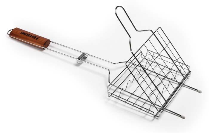 Решетка-гриль Boyscout для сосисок и колбасок, 60 х 21 х 2,5 смCM000001328Решетка-гриль Boyscout предназначена для приготовления пищи на открытом воздухе. Изготовлена из высококачественной стали с пищевым хромированным покрытием. Решетка имеет деревянную вставку на ручке, предохраняющую руки от ожогов и позволяющую без труда перевернуть решетку. Надежное кольцо-фиксатор гарантирует, что решетка не откроется, и продукты не выпадут.Приготовление вкусных сосисок и колбасок на пикнике становится еще более быстрым и удобным с использованием решетки-гриль. Размер рабочей поверхности: 21 см х 15 см х 2,5 см.Длина ручки: 35,5 см.