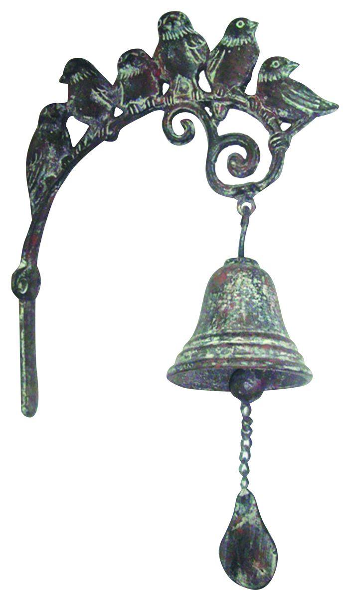 Дверной колокольчик Green Apple ПтицыGBL3-1023Дверной колокольчик Green Apple Птицы изготовлен из чугуна с эффектом старения. Кронштейн оформлен фигурками птичек. Колокольчик устанавливается непосредственно над дверью. Каждый раз когда дверь открывается, будет раздаваться мелодичный звон колокольчика. Колокольчик также можно установить рядом с дверью и использовать как звонок. В комплект входит крепление. На упаковке имеется краткое руководство по монтажу.