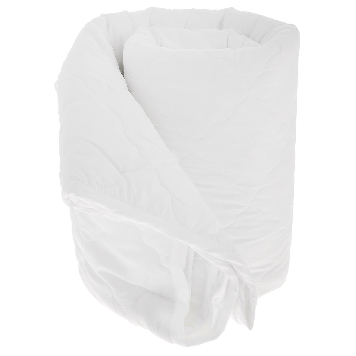 Одеяло La Prima В нежности микрофибры, наполнитель: полиэфирное волокно, цвет: белый, 200 х 220 смS03301004Одеяло La Prima В нежности микрофибры очень легкое, воздушное и одновременно теплое. Идеально подойдет тем, кто ценит мягкость и тепло. Такое изделие подарит комфортный сон. Благодаря особой структуре микроволокна, изделие приобретают дополнительную мягкость и надолго сохраняют свой первоначальный вид. Чехол одеяла выполнен из шелковистой микрофибры, оформленной изящным фактурным теснением под кожу рептилий. Наполнитель - полиэфирное волокно - холлотек. Изделие обладает высокой воздухопроницаемостью, прекрасно сохраняет тепло. Оно гипоаллергенно и очень практично и неприхотливо в уходе. Ручная стирка при температуре 30°С. Материал чехла: 100% полиэстер - микрофибра.Наполнитель: полиэфирное волокно - холлотек.