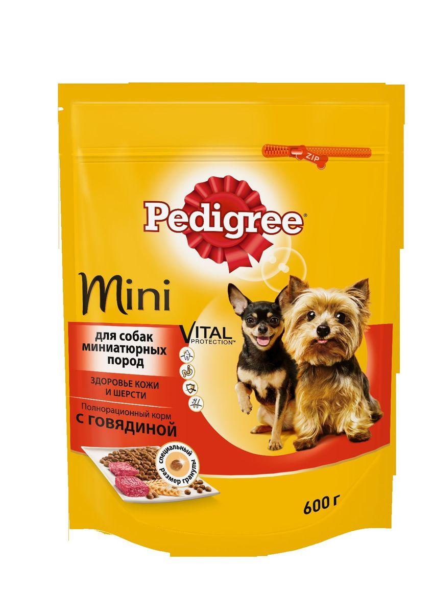 Корм сухой Pedigree для взрослых собак миниатюрных пород, с говядиной, 600 г0120710Сухой корм Pedigree для собак миниатюрных пород - это полнорационный корм с курицей, который создан с учетом потребностей. Он состоит из качественных и натуральных ингредиентов: мяса, овощей, злаков. Он создан с учетом особенностей пищеварения самых маленьких, легко усваивается и обеспечивает правильную работу их желудочно-кишечного тракта. Состав: куриная мука, пшеничная мука, кукуруза, рис, мясная мука (в том числе говядина минимум 4%), жир животный, пшеница, свекольный жом, подсолнечное масло, минералы, витамины, метионин. Пищевая ценность (100 г): белки 22 г., жиры 15 г., зола 8 г., клетчатка 4 г., влажность не более 10 г., кальций 1,3 г., фосфор 0,8 г., натрий 0,3 г., калий 0,58 г., магний 0,1 г., цинк 20 г., медь 1,5 г., витамин А 1500 МЕ, витамин Е 20 мг., витамин D3 120 МЕ, витамин В1, В2, В4, В5, В12., ниацин, омега-6, омега-3, полиненасыщенные жирные кислоты. Энергетическая ценность (100 г): 365 ккал. Вес упаковки: 600 г. Товар сертифицирован.