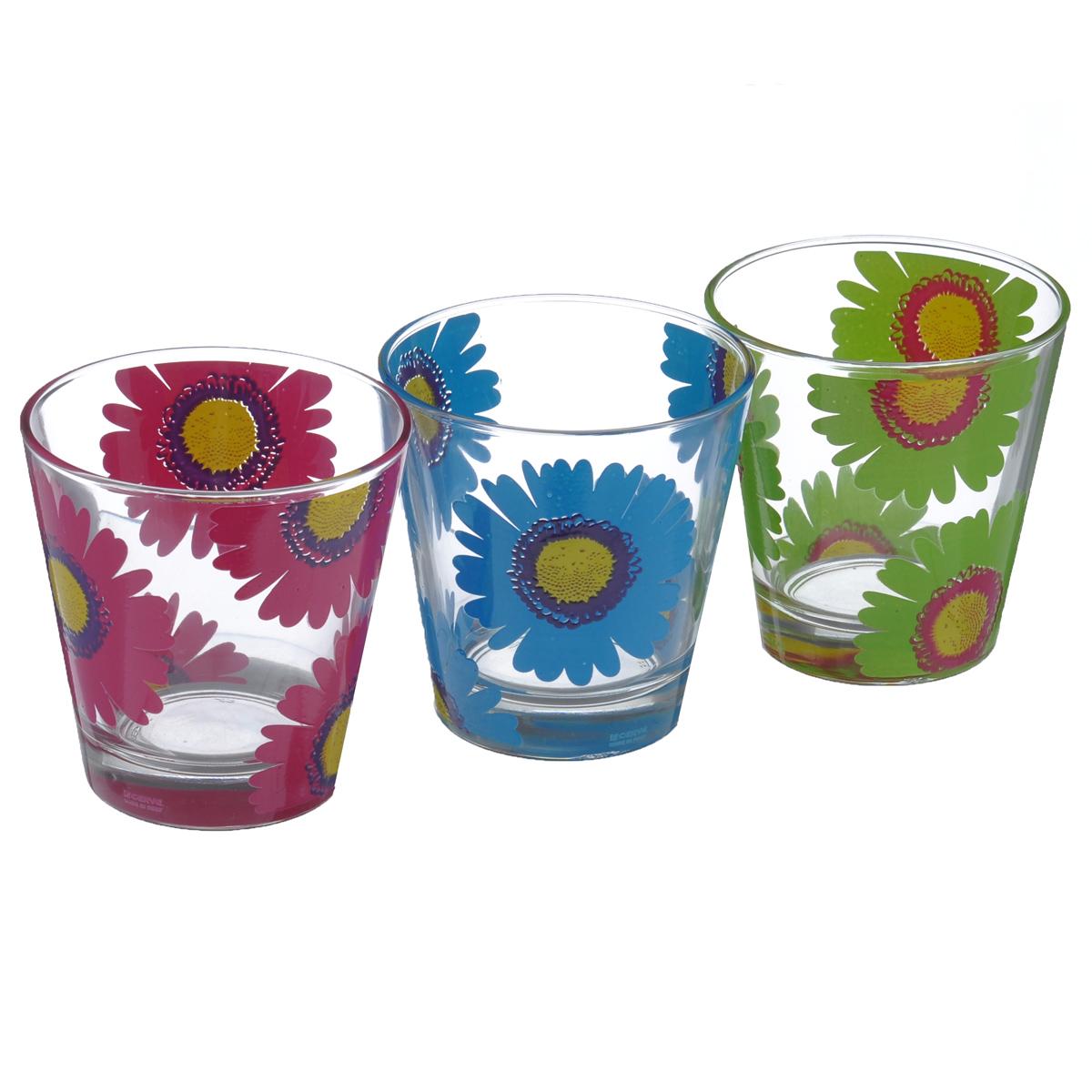 Набор стаканов Cerve Герберы, 250 мл, 3 штVT-1520(SR)Набор Cerve Герберы состоит из трех низких стаканов, изготовленных из высококачественного стекла. Внешние стенки оформлены красочным цветочным узором. Такие стаканы прекрасно подойдут для сока, воды, лимонада и других напитков. Они ярко оформят стол и станут прекрасным дополнением к коллекции вашей кухонной посуды. Можно мыть в посудомоечной машине. Диаметр стакана (по верхнему краю): 8,5 см. Высота стакана: 9 см.