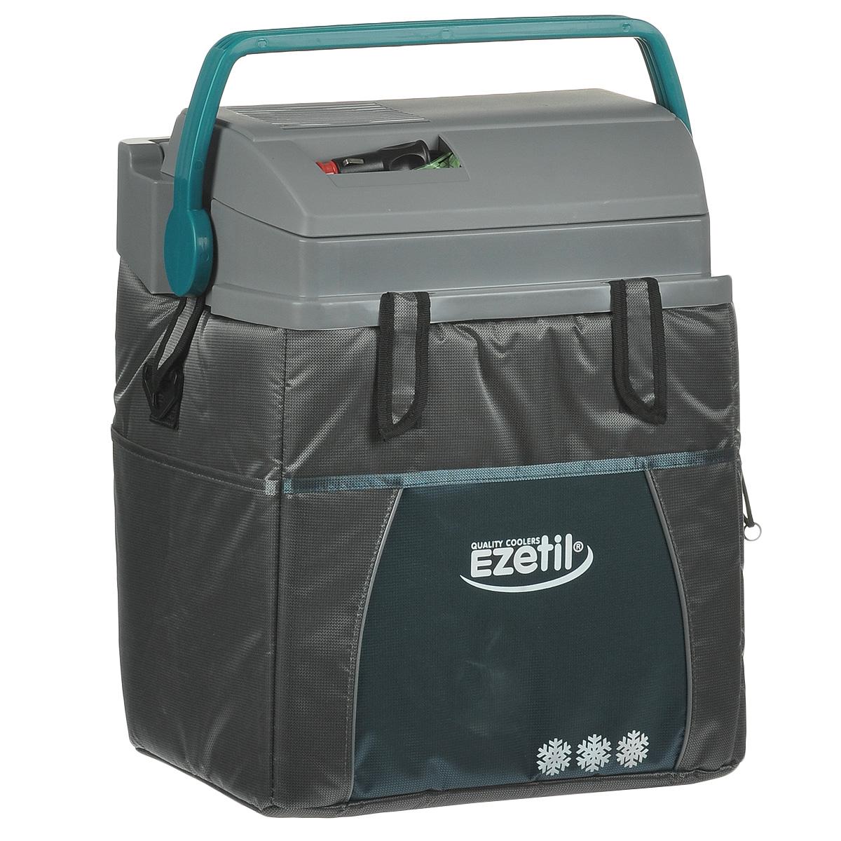 Термоэлектрический контейнер охлаждения Ezetil ESC 21 12V, цвет: серый, 19,6 л875591Термоэлектрический контейнер охлаждения Ezetil предназначен для использования в салоне автомобиля в качестве портативного холодильника. Контейнер выполнен из высококачественного пластика, корпус гладкий, эргономичного дизайна, ударопрочный; отделан прочной, легко моющейся тканью с боковыми карманами. Принцип действия термоэлектрического контейнера (холодильника) основан на свойстве полупроводниковых пластин, это свойство получило название эффект Пельтье. При протекании тока через полупроводниковую пластину одна сторона ее охлаждается (этой стороной пластина обращена внутрь контейнера), другая сторона - нагревается (эта сторона обращена наружу и охлаждается вентилятором). Дополнительный внутренний вентилятор в холодильной камере обеспечивает быстрое и равномерное охлаждение. Мощная, не нуждающаяся в техобслуживании охлаждающая система Peltier гарантирует оптимальную мощность охлаждения. Модель оснащена интеллектуальной системой энергосбережения. Изоляция с наполнителем...