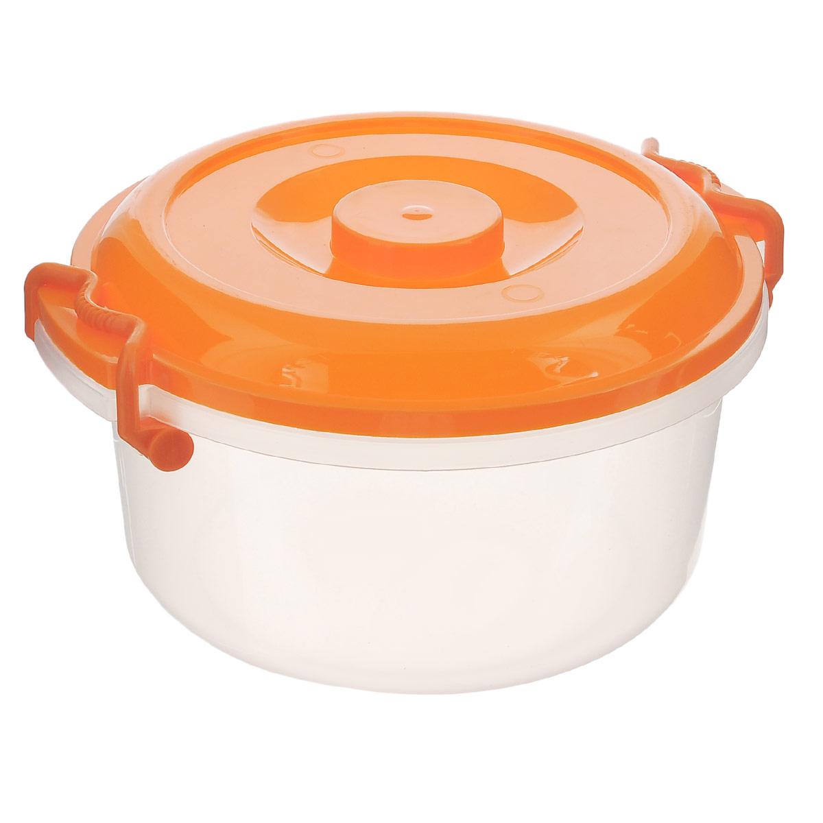 Контейнер Альтернатива, цвет: оранжевый, 5 лМ097Контейнер Альтернатива изготовлен из высококачественного пищевого пластика. Изделие оснащено крышкой и ручками, которые плотно закрывают контейнер. Также на крышке имеется ручка для удобной переноски. Емкость предназначена для хранения различных бытовых вещей и продуктов. Такой контейнер очень функционален и всегда пригодится на кухне. Диаметр контейнера (без учета крышки): 25 см. Высота стенок: 13,5 см. Объем: 5 л.