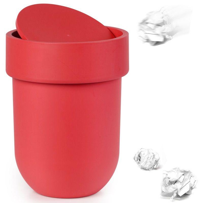 Контейнер мусорный Touch с крышкой красный023269-505Как много всего ненужного можно обнаружить на столе: скомканные бумаги для заметок, упаковки от шоколадок, старые скрепки и скобы для степлера. Отправьте весь этот хлам в мусорное ведро, чтобы сделать жизнь чище и упорядоченнее. Лаконичный и простой контейнер Touch не займет много места и будет прилежно исполнять свои обязанности по накоплению мусора. Материал: полипропилен; цвет: красный