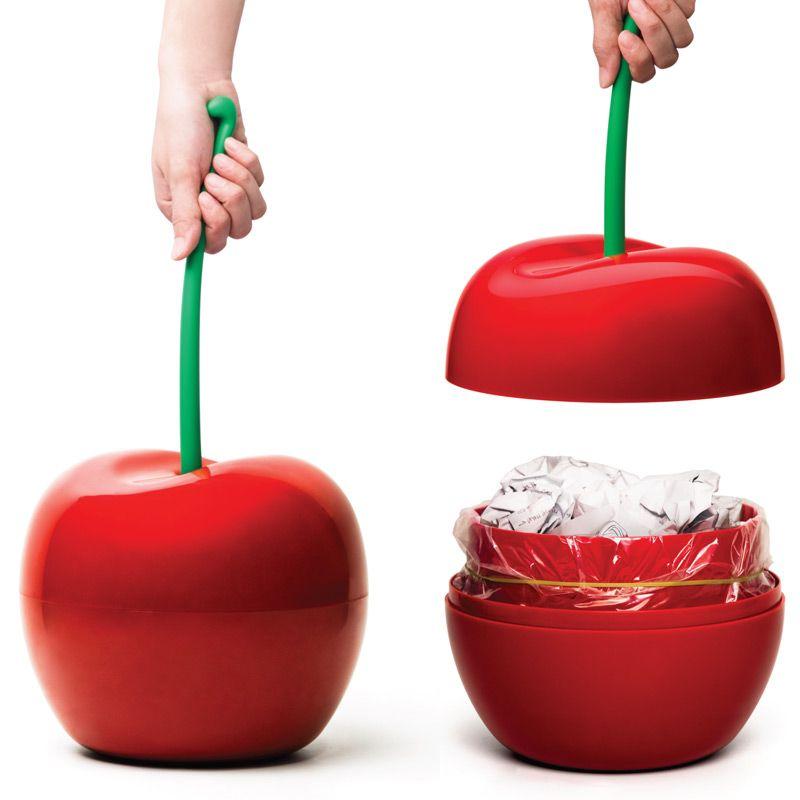 Корзина для мусора Qualy Cherry, цвет: красный, зеленый, 4 лQL10128-RDОригинальная корзина для мусора Qualy Cherry изготовлена из прочного цветного пластика. Вы можете использовать ее для выбрасывания разных пищевых и не пищевых отходов. Корзина имеет сплошное дно и оформлены в виде вишенки. Корзина для мусора Qualy Cherry поможет содержать ваше рабочее место в порядке. Диаметр (по верхнему краю): 20 см. Высота (с учетом ручки): 45 см.