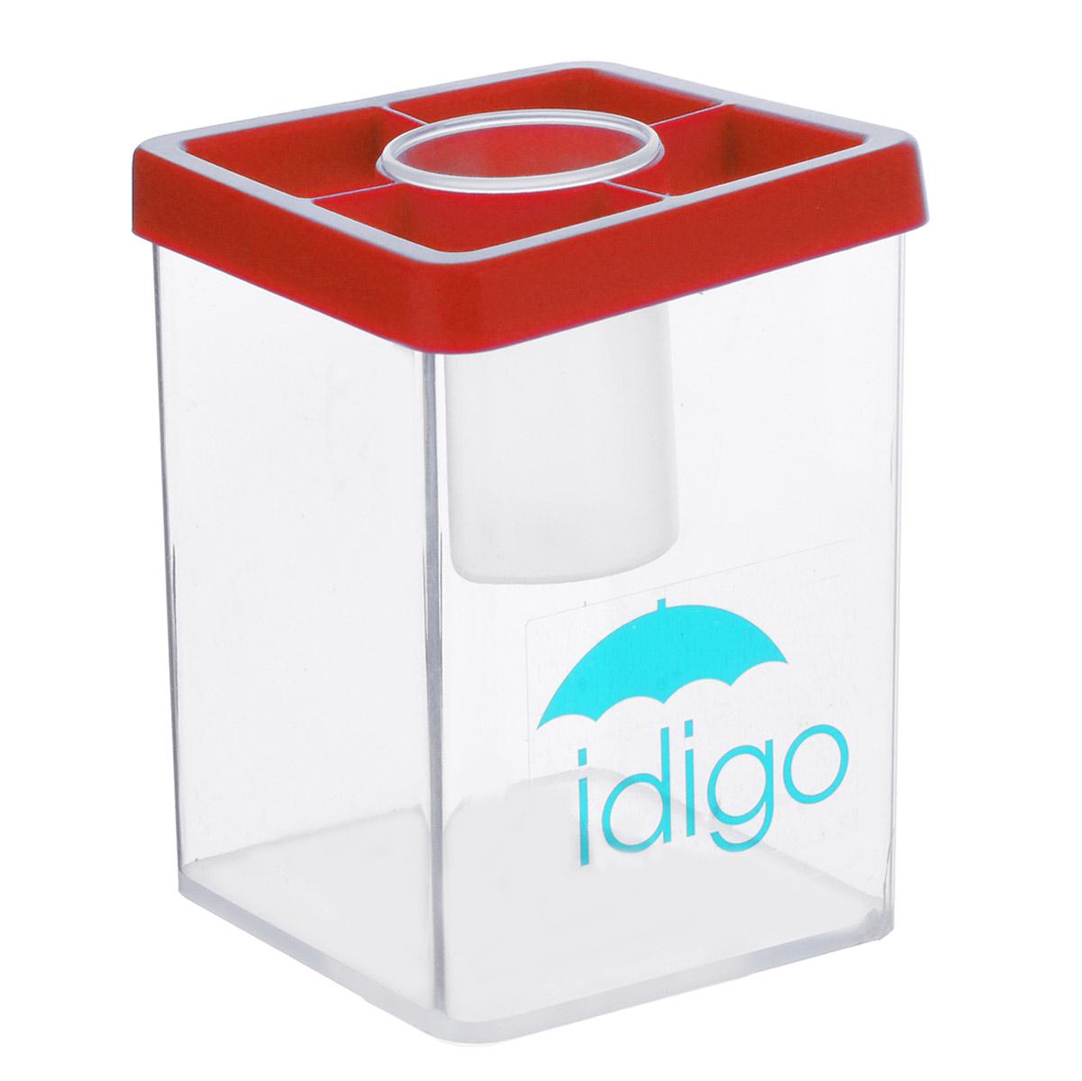 Многофункциональная подставка-стакан Idigo, цвет: красный51000586/sa951Многофункциональный стакан из пластика Idigo станет незаменимым атрибутом на письменном столе ребенка. Он идеально подходит для мытья кистей во время рисования. Кроме того, удобный стакан может быть использован для хранения кистей, карандашей, ручек и фломастеров. А благодаря небольшой круглой баночке, расположенной в центре стакана, скрепки, кнопки и ластики не потеряются.