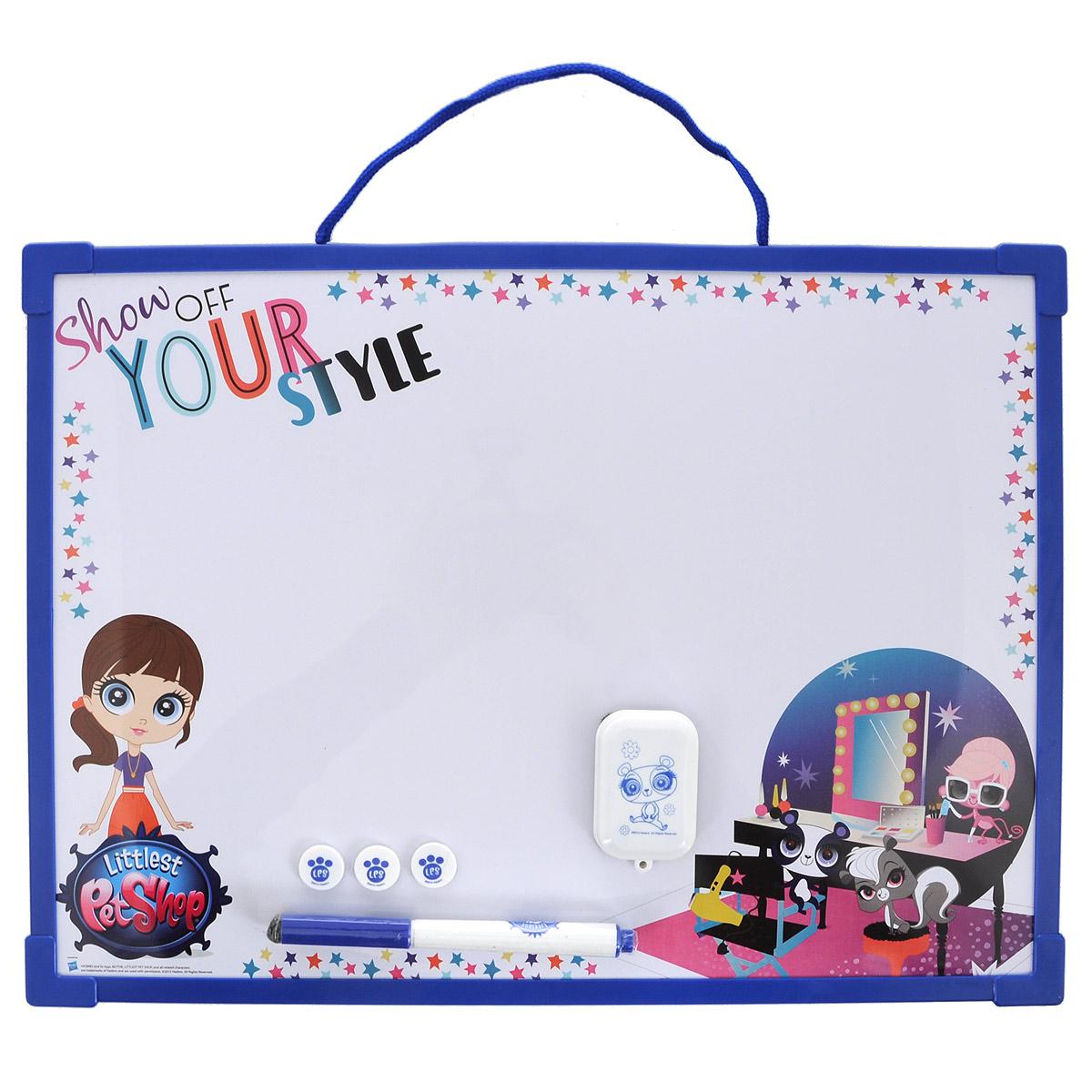 Доска для рисования Littlest Pet Shop Пиши-стирай, цвет: белый, синий. LPCB-US1-Z150098LPCB-US1-Z150098Доска для рисования Littlest Pet Shop Пиши-стирай на веревочке, на которой можно создавать различные картины бесконечно! Доска оборудована ручкой для рисования и тремя штампиками. Доска для рисования развивает моторику, воображение, концентрацию внимания, цветовое восприятие.
