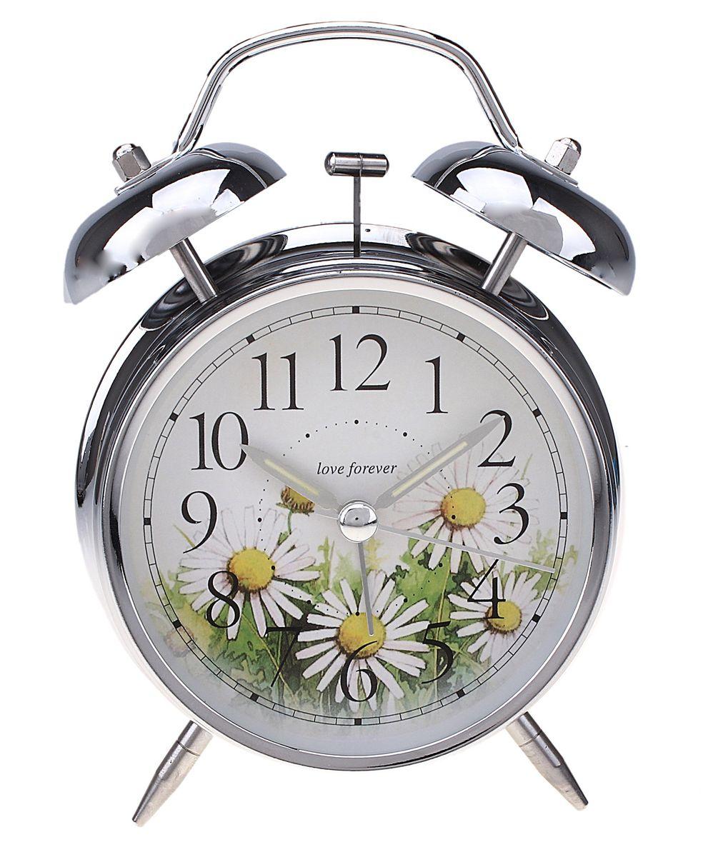 Часы-будильник Sima-land. 55672420200-56Как же сложно иногда вставать вовремя! Всегда так хочется поспать еще хотя бы 5 минут и бывает, что мы просыпаем. Теперь этого не случится! Яркий, оригинальный будильник Sima-land поможет вам всегда вставать в нужное время и успевать везде и всюду. Время показывает точно и будит в установленный час. Будильник украсит вашу комнату и приведет в восхищение друзей. На задней панели будильника расположены переключатель включения/выключения механизма и два колесика для настройки текущего времени и времени звонка будильника. Также будильник оснащен кнопкой, при нажатии и удержании которой, подсвечивается циферблат.Будильник работает от 2 батареек типа AA напряжением 1,5V (не входят в комплект).