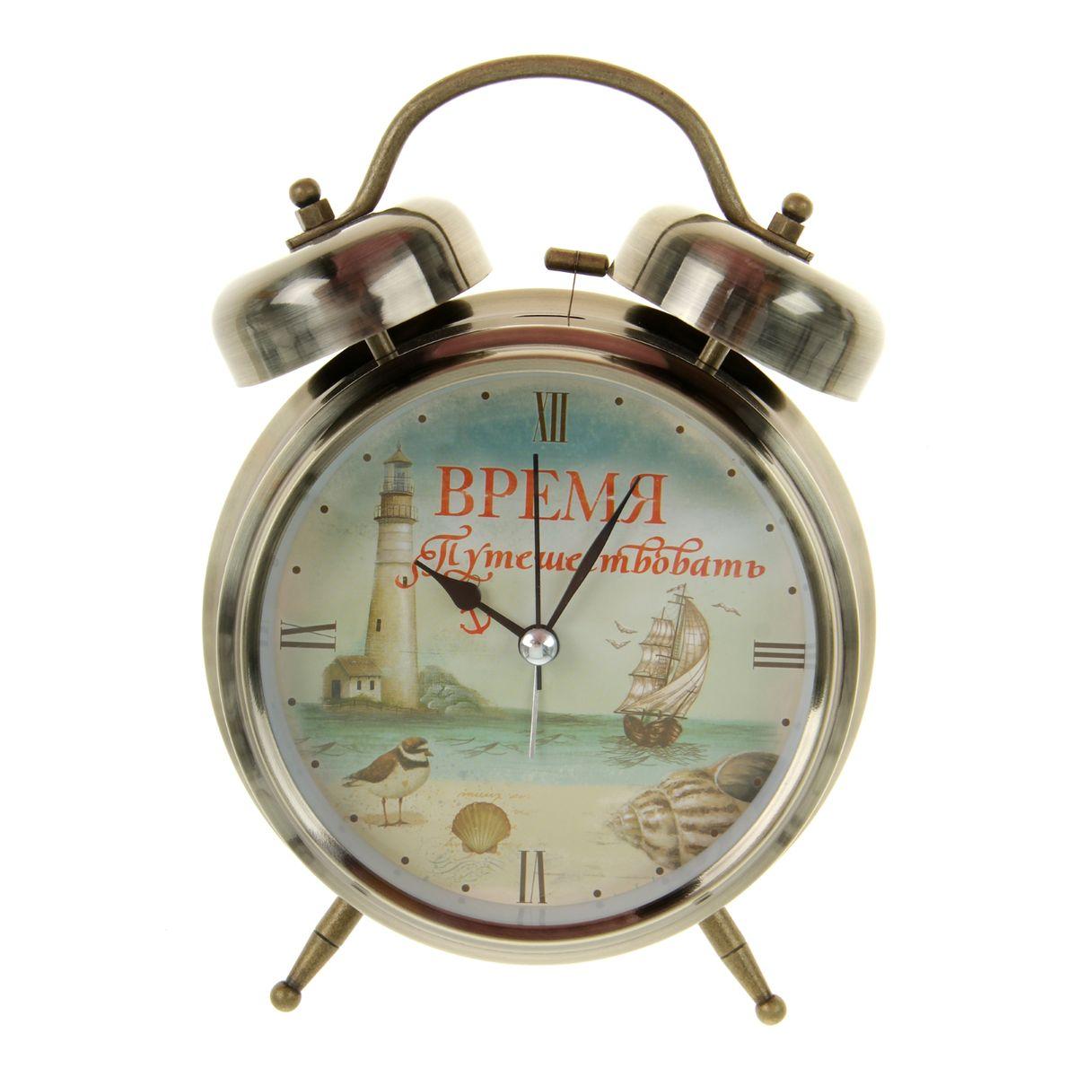 Часы-будильник Sima-land Время путешествовать699318Как же сложно иногда вставать вовремя! Всегда так хочется поспать еще хотя бы 5 минут и бывает, что мы просыпаем. Теперь этого не случится! Яркий, оригинальный будильник Sima-land Время путешествовать поможет вам всегда вставать в нужное время и успевать везде и всюду. Будильник украсит вашу комнату и приведет в восхищение друзей. Время показывает точно и будит в установленный час. На задней панели будильника расположены переключатель включения/выключения механизма, а также два колесика для настройки текущего времени и времени звонка будильника. Также будильник оснащен кнопкой, при нажатии и удержании которой, подсвечивается циферблат. Будильник работает от 1 батарейки типа C напряжением 1,5V (не входит в комплект).