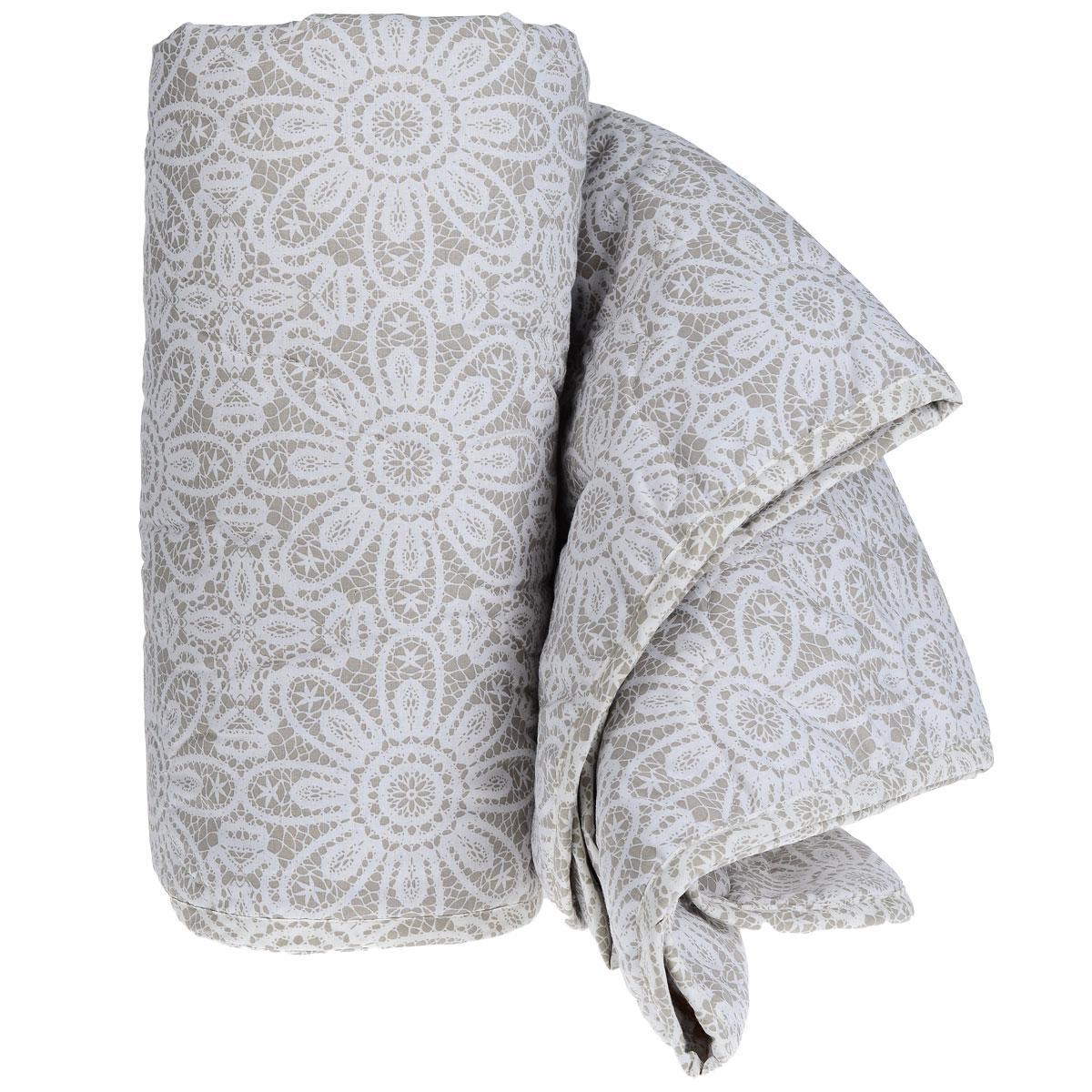Одеяло летнее Green Line, наполнитель: льняное волокно, 140 см х 205 см189234Летнее одеяло Green Line подарит незабываемое чувство комфорта и уюта во время сна. Верх выполнен из ранфорса (100% хлопок) с красивым рисунком, напоминающим кружево. Внутри - наполнитель из льняного волокна. Это экологически чистый натуральный материал, который позаботится о вашем здоровье и подарит комфортный сон. Лен обладает уникальными свойствами: он холодит в жару и согревает в холод, он полезен для здоровья, так как является природным антисептиком. Благодаря пористой структуре, ткань дышит и создается эффект активного дыхания. Стежка и кант по краю не позволяют наполнителю скатываться и равномерно удерживают его внутри. Одеяло легкое и тонкое - оно идеально подойдет для лета, под ним будет прохладно и комфортно спать в жару. Рекомендации по уходу: - запрещается стирка в стиральной машине и вручную, - не отбеливать, - нельзя отжимать и сушить в стиральной машине, - не гладить, - химчистка с мягкими...