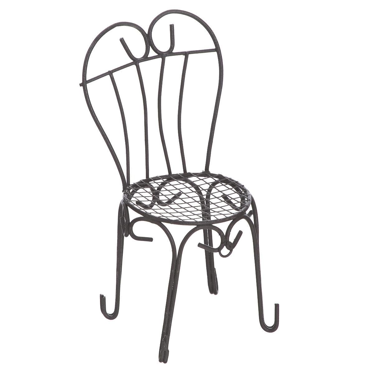 Миниатюра кукольная ScrapBerrys Стул с сердцевидной спинкойFS-91909Миниатюра кукольная ScrapBerrys Стул с сердцевидной спинкой изготовлена из металла в виде стула со спинкой в виде сердца.Такая миниатюра прекрасно подойдет для декорирования кукольных домиков, а также для оформления работ в самых различных техниках, для презентации трехмерных изображений или предметов.Кукольная миниатюра представляет собой целый мир с собственной модой, историей и законами. В нашей стране кукольная и историческая миниатюра только набирает популярность, тогда как в других государствах уже сложились целые традиции по созданию миниатюр. Создание миниатюр сводится к правильному подбору всех элементов интерьера согласно сюжетному и историческому контексту. Очень часто наборы кукольных миниатюр передается от поколения к поколению. И порой такие коллекции - далеко не детская забава, а настоящее серьезное хобби для взрослых. Стильные, красивые маленькие вещички и аксессуары интересно расставлять по своим местам, создавая необычные исторические, фантазийные и классические инсталляции различных эпох.