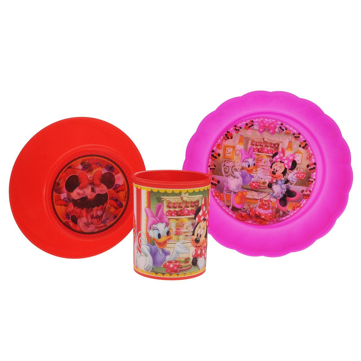 Набор детской посуды Disney Минни и Дейзи, цвет: красный, розовый, 3 предметаSW4003Набор детской посуды Disney Минни и Дейзи состоит из стакана, салатника и тарелки. Посуда, выполненная из пищевого пластика, оформлена изображениями героев популярного мультфильма Клуб Микки Мауса - Минни и Дейзи. Рисунки находятся под слоем прозрачного структурного пластика (линзы), создающего эффект объемного изображения, как в 3D кино, и исключающего попадание краски в жидкость. Небьющаяся посуда, красивая, легкая и удобная в уходе, прекрасно выдерживает горячую пищу. Ваш малыш с удовольствием будет кушать вместе с любимыми героями. Объем стакана: 325 мл. Высота стакана: 9 см. Диаметр стакана (по верхнему краю): 7,5 см. Диаметр салатника: 15 см. Высота салатника: 5 см. Диаметр тарелки: 18 см. Высота тарелки: 4 см.
