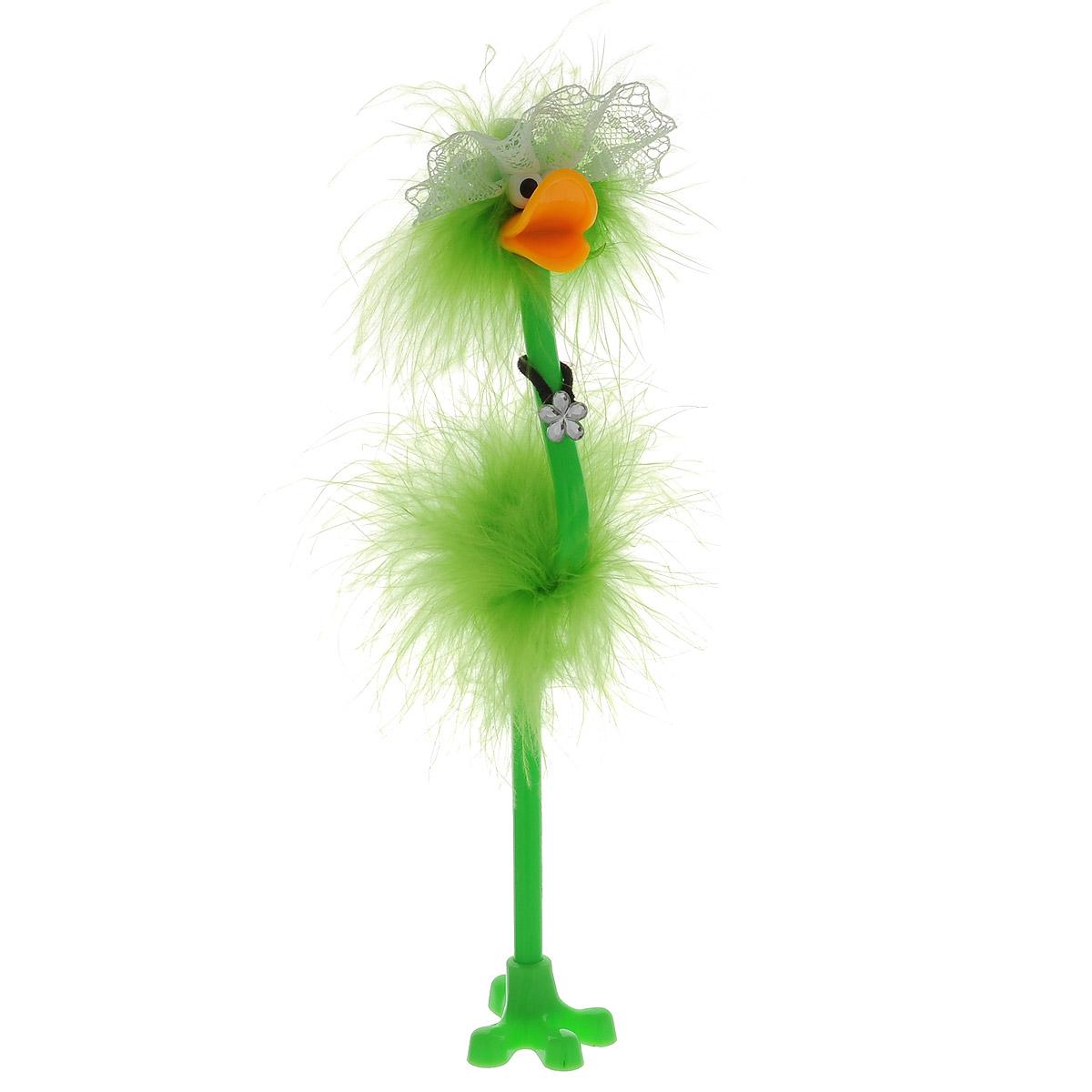 Ручка-игрушка Flamingo, в кружевной шляпке, с подставкой, цвет: салатовый72523WDОригинальная шариковая ручка-игрушка Flamingo станет отличным подарком и незаменимым аксессуаром на вашем рабочем столе. Ручка, украшенная перьями, выполнена в виде забавной птички фламинго в широкополой кружевной шляпке. К ручке прилагается подставка в виде лапки. Такая ручка - это забавный и практичный подарок, она не потеряется среди бумаг и непременно вызовет улыбку окружающих.
