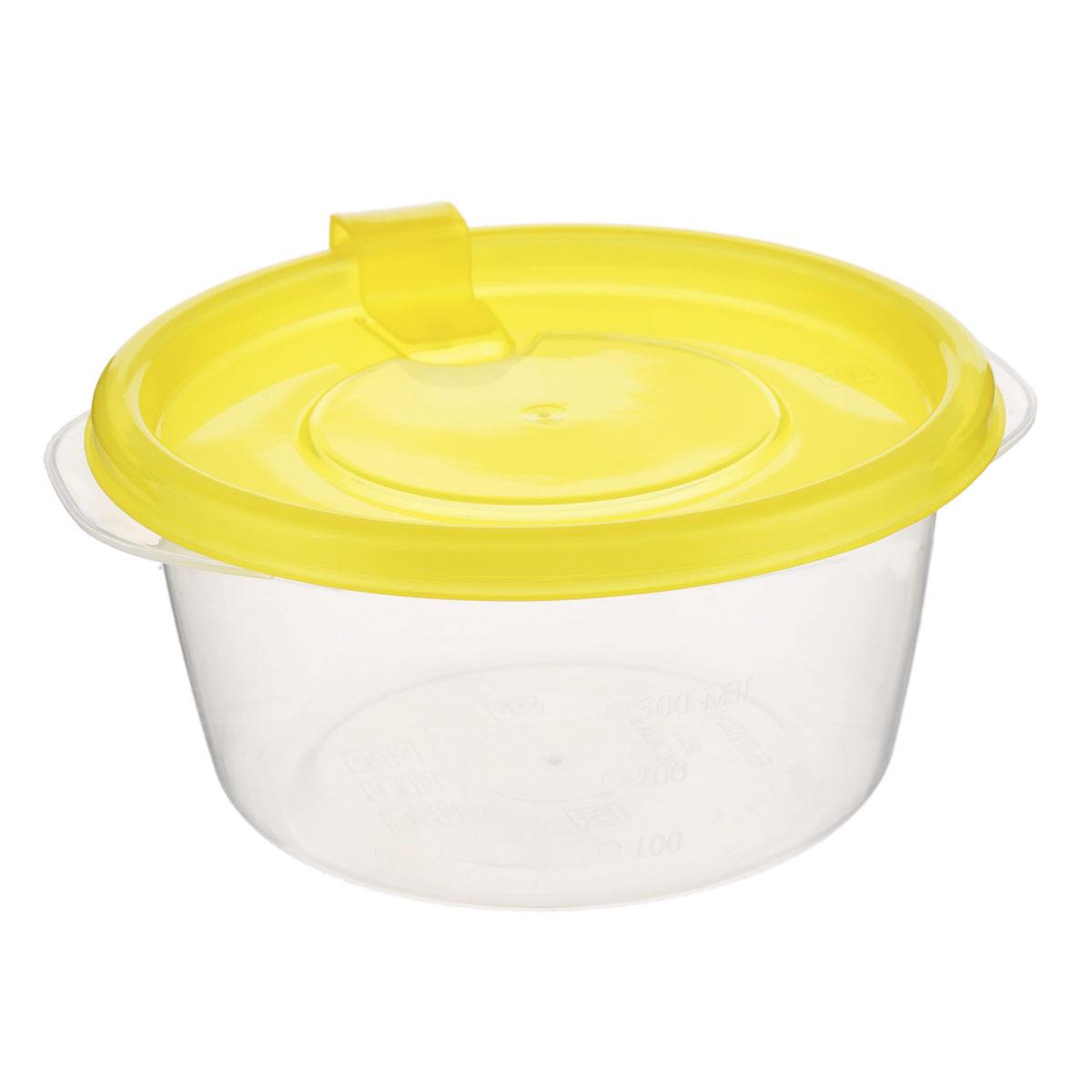 Контейнер Phibo Фрэш, цвет: прозрачный, желтый, 0,44 лС11514Контейнер Phibo Фрэш выполнен из пищевого прозрачного полипропилена, без содержания Бисфенола А. Внешние стенки имеют отметки литража. Крышка оснащена клапаном, благодаря которому контейнер плотно и герметично закрывается. Такой контейнер очень функционален. Его можно использовать дома для хранения пищи в холодильнике, а также для хранения разнообразных сыпучих продуктов, таких как кофе, крупы, соль, сахар. Контейнер также удобно брать с собой на работу, учебу или в поездку. Можно использовать в микроволновой печи только для разогрева пищи и с открытым клапаном при температуре до +100°С. Подходит для заморозки пищи (минимальная температура -24°С). Можно мыть в посудомоечной машине. Диаметр контейнера (по верхнему краю): 12 см. Высота стенки: 6,5 см.