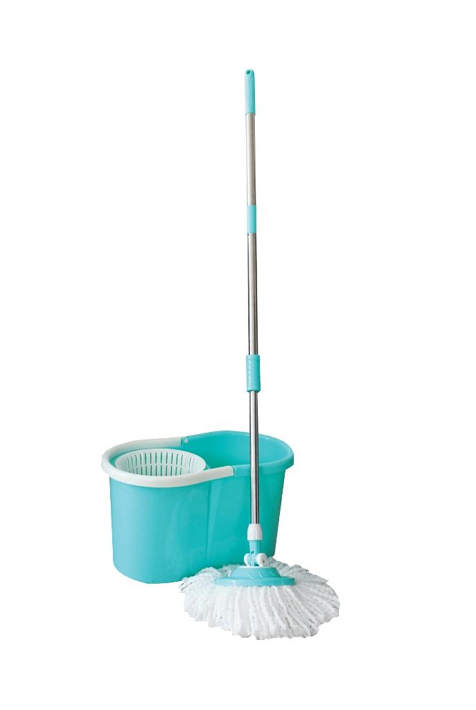 Комплект для мытья пола Пластик Люкс, с центрифугой, цвет: бирюзовый, белый, 4 предмета1002Комплект для мытья пола Пластик Люкс, выполненный из пластика, состоит из ведра с центрифугой, швабры и двух насадок из микрофибры. Насадка закреплена на ручке таким образом, что вращается вокруг совей оси на 360 градусов. Такая насадка прекрасно абсорбирует воду, захватывает пыль и грязь. Такой комплект сделает уборку легкой и обеспечит идеальную чистоту. Общий размер ведра: 45,5 х 26,5 х 26 см. Объем ведра: 15 л. Диаметр насадок: 16 см. Длина ворса насадок: 2 см. Длина швабры: 110 см.