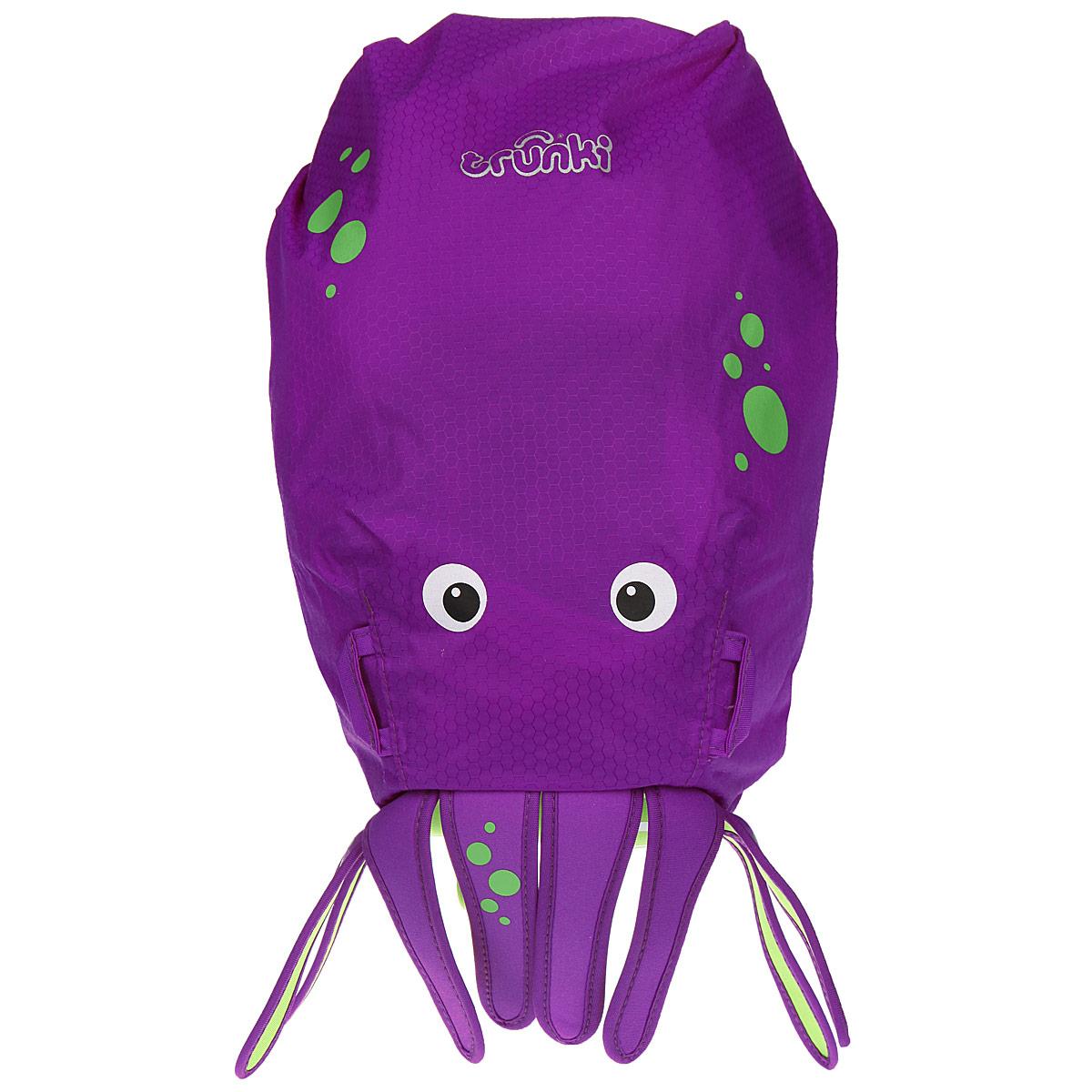 Детский рюкзак для бассейна и пляжа Trunki Осьминог, цвет: фиолетовый, салатовый, 7,5 лOM-678-2/2Детский рюкзак для бассейна и пляжа Trunki Осьминог - великолепный подарок для маленьких спортсменов и путешественников.Выполнен из прочного и водоотталкивающего материала в виде осьминога. Рюкзак состоит из вместительного отделения, закрывающегося с помощью скрутки, которая также сохранит содержимое и защитит от проникновения воды. Благодаря широкой горловине рюкзака в него очень удобно складывать вещи.Конструкция спинки дополнена противоскользящей сеточкой и системой вентиляции для предотвращения запотевания спины ребенка. Мягкие широкие лямки позволяют легко и быстро отрегулировать рюкзак в соответствии с ростом. На правой лямке рюкзака предусмотрено специальное крепление Trunki grip, с помощью которого можно подвесить детские солнцезащитные очки. Рюкзак оснащен петлей для подвешивания. Также имеет светоотражающие элементы и карман в нижней части рюкзака, куда можно положить различные мелочи.Рюкзак Trunki Осьминог прекрасно подойдет для походов в бассейн и на пляж, поездок, занятий спортом. Ребенку непременно понравится этот яркий стильный аксессуар, который станет для него постоянным спутником.Рекомендуемый возраст: от 3 лет.