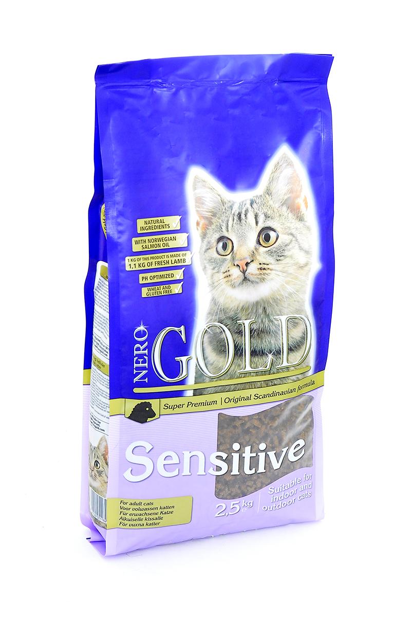 NERO GOLD super premium Для Кошек с с чувствительным пищеварением: Ягненок (Cat Adult Sensitive), 2,5 кг.0120710Состав: дегидрированное мясо ягненка, кукурузный глютен, мука, рис, маис, куриный жир, гидролизованная куриная печень, дегидрированная рыба, клетчатка (мин. 5 %), мякоть свеклы, дрожжи, яичный порошок, минералы и витамины, гидролизованные хрящи (источник хондроитина), гидролизат ракообразных (источник глюкозамина), рыбий жир, инулин (мин. 0,5 % FOS), лецитин (мин. 0,5 %), холина хлорид, таурин. Условия хранения: в прохладномтемном месте.