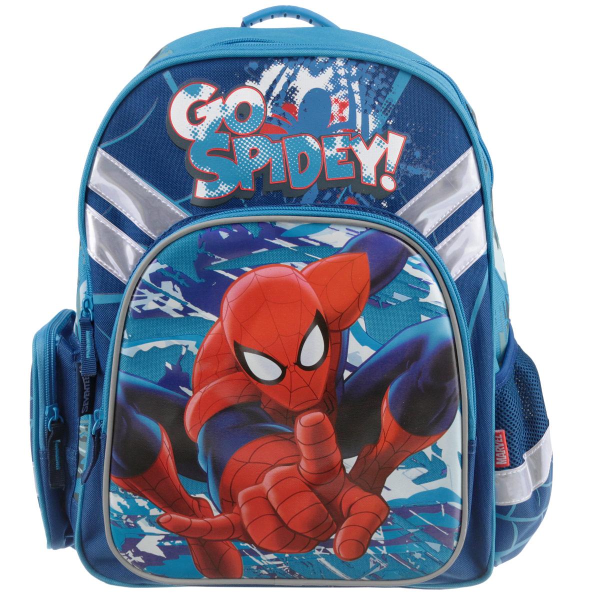 Набор школьника Spider-man Classic. SMCS-UT1-51BOXSMCS-UT1-51BOXВашему вниманию предлагается все самое необходимое для школьника в одном наборе. Состав: рюкзак, пенал, фартук, сумка-рюкзак для обуви, кошелек, выполненные в одном стиле. Школьный ранец выполнен из износоустойчивых материалов с водонепроницаемой основой, декорирован аппликацией и рисунками в тематике Человека-Паука. Ранец имеет два основных отделения, закрывающиеся на молнию. Внутри главного отделения расположены два разделителя, для тетрадей и учебников. На лицевой стороне ранца расположен накладной карман на молнии. По бокам ранца размещены два дополнительных накладных кармана, один открытый на резинке и один на застежке-молнии. Ортопедическая спинка, созданная по специальной технологии из дышащего материала, равномерно распределяет нагрузку на плечевые суставы и спину. Удлиненные держатели облегчают фиксацию длины ремней с мягкими подкладками. Ранец оснащен удобной ручкой для переноски и двумя широкими лямками, регулируемой длины. Пенал мягкий с...