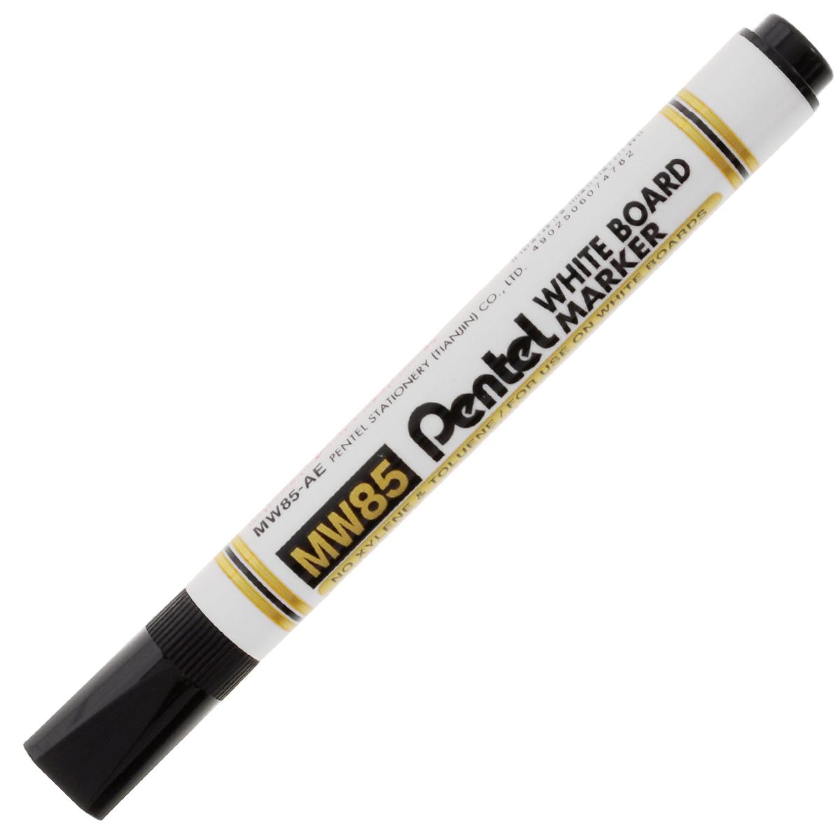 Маркер Pentel, для досок, цвет: черныйFS-00897Маркер Pentel черного цвета станет для вас верным помощником при проведении презентаций или семинаров.Маркер выполнен из пластика и предназначен для письма на доске. Корпус маркера белого цвета, а цвет колпачка соответствует цвету чернил. Маркер обеспечивает ровные и четкие линии, диаметр стержня 4,2 мм. Уникальный квадратный колпачок не позволит ему скатиться со стола, и он всегда будет у вас под рукой.Рекомендуемый возраст: от 3 лет.
