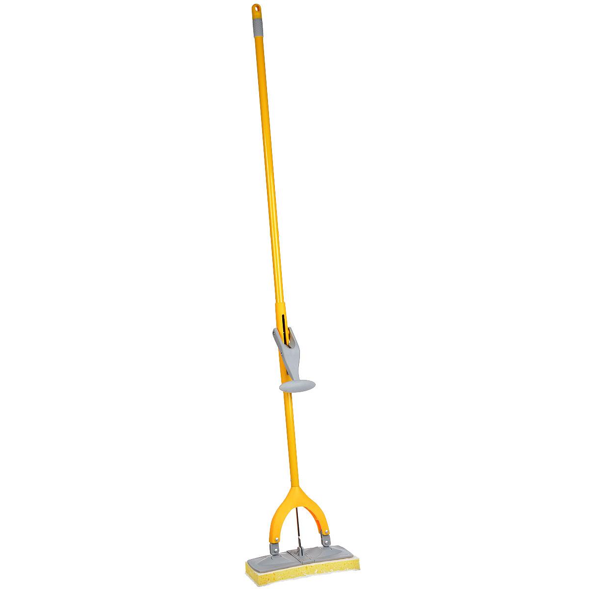 Поломой Apex Squizzo, с отжимом, цвет: серый, желтый10503Поломой Apex Squizzo предназначен для уборки в доме. Насадка, изготовленная из поролона, крепится к стальной трубке. Насадка имеет специальную форму, которая позволяет легко и качественно мыть полы. Специальная система отжима позволяет отжимать воду более эффективно, чем вручную.Размер рабочей поверхности: 27 х 9,5 см.Длина ручки: 135 см.