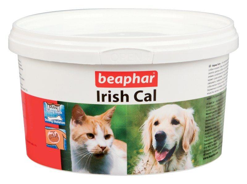 Beaphar Irish Cal минеральная смесь с повышенным содержанием солей кальция 250 г56095Кормовая добавка для обогащения и балансирования рационов собак и кошек витаминами и минеральными веществами. По внешнему виду Irish Cal представляет собой порошок белесого цвета.