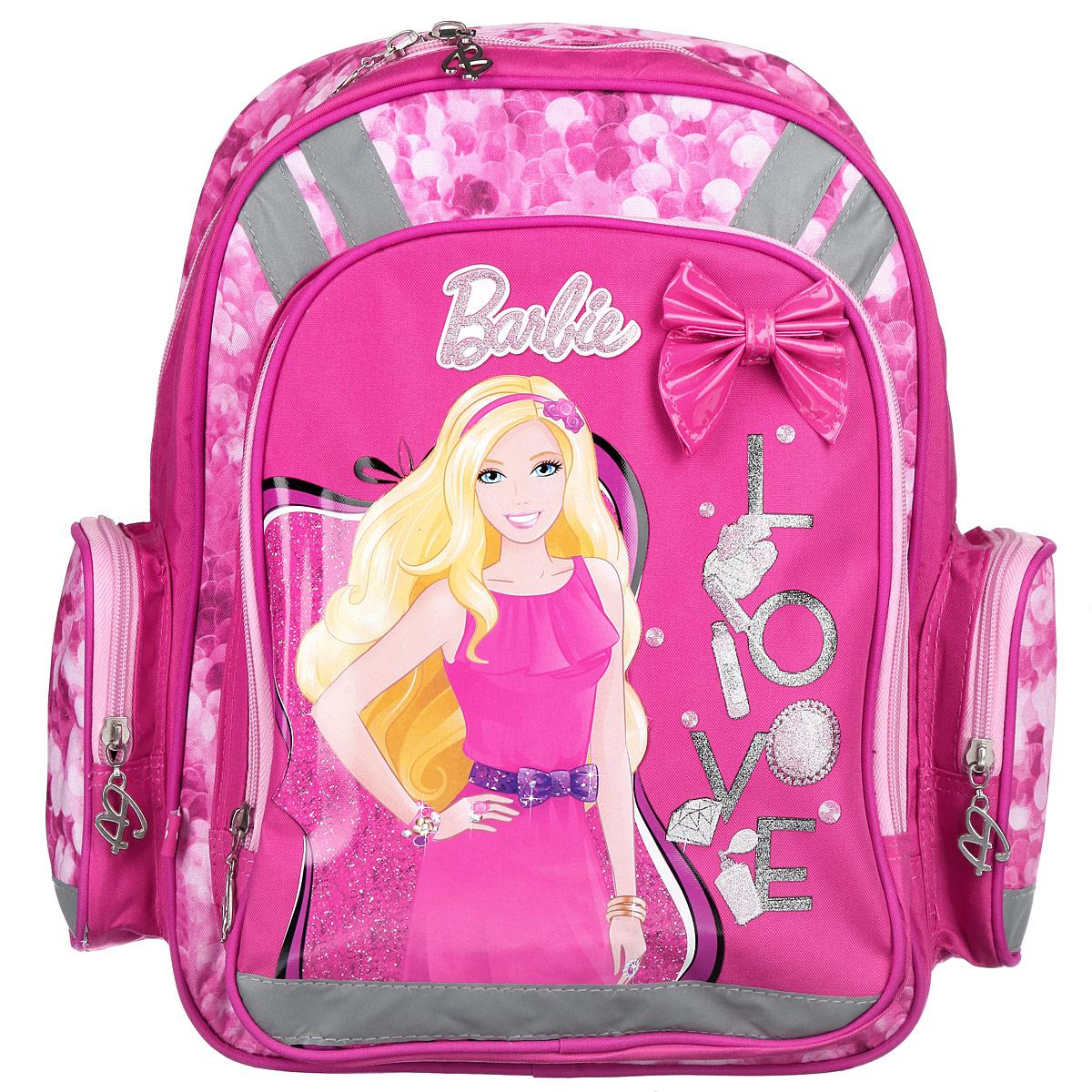 Рюкзак школьный Barbie, цвет: розовый, сиреневый. BRBB-RT2-836BRBB-RT2-836Школьный рюкзак Barbie привлечет внимание вашей школьницы. Выполнен из современных водонепроницаемых, износостойких материалов и оформлен изображением куклы Барби. Содержит вместительное отделение с двумя перегородками, которые позволяют разместить учебные принадлежности формата А4. Дно рюкзака можно сделать жестким, разложив специальную панель с пластиковой вставкой, что повышает сохранность содержимого рюкзака и способствует правильному распределению нагрузки. Лицевая сторона оснащена накладным карманом на молнии. По бокам расположены два накладных кармана также на застежке-молнии. Спинка выполнена с использованием вставки из эластичного упругого материала и специально расположенных элементов, служащих для правильного и безопасного распределения нагрузки на спину ребенка. Лямки рюкзака с поролоном и воздухообменной сеткой регулируются по длине, обеспечивая комфорт при ношении рюкзака. Изделие оснащено Рюкзак оснащен эргономичной ручкой для удобной переноски в руке....