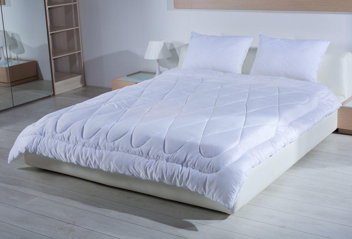 Одеяло Primavelle Silver Comfort, 140 х 205 см10503Одеяло Primavelle Silver Comfort создано для тех, кто по-настоящему хочет позаботиться о своем здоровье и насладиться крепким сном.В состав наполнителя входят ионы серебра, которые обладают уникальными оздоравливающими свойствами: - помогают бороться со стрессом- лечат бессонницу- дарят комфортный сон.К тому же одеяло обладает свойствами терморегуляции. Постельные принадлежности с серебром обеспечивают оптимальный температурный режим в любую погоду. Низкая излучающая способность серебра приводит к тому, что постель гораздо дольше сохраняет тепло. Чехол выполнен из дамаст-сатина, которой не только надежно удерживает наполнитель внутри, но и обладает отличной гигиеничностью и гигроскопичностью. Состав:-ткань: дамаст-сатин (100% хлопок);-наполнитель: микроволокно с ионами серебра (100% полиэстер).