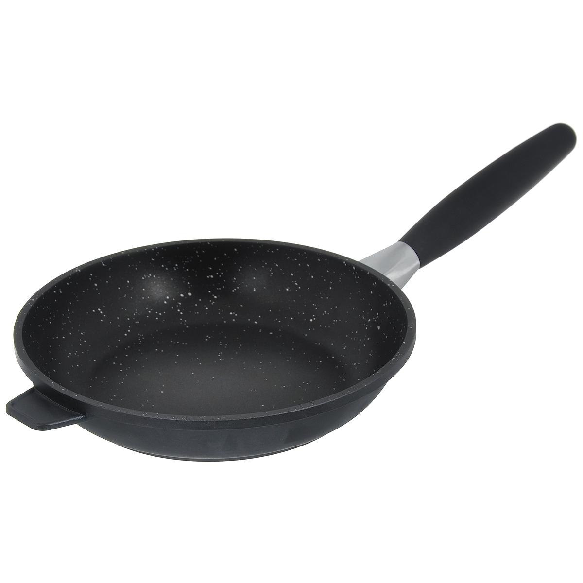 Сковорода BergHOFF Scala, с антипригарным покрытием. Диаметр 24 см2307201Сковорода BergHOFF Scala выполнена из литого алюминия, который имеет эффект чугунной посуды. За счет особой технологии литья дно в 2 раза толще стенок. В отличие от чугуна посуда из алюминия легче по весу и быстро нагревается, что гарантирует сбережение энергии. Сковорода имеет антипригарное покрытие Ferno Green, которое в 4 раза прочнее традиционного. Это экологически чистое безопасное для здоровья покрытие. Подходит для приготовления полезных блюд, сохраняются витамины, минералы. Антипригарные свойства посуды позволяют готовить без жира и подсолнечного масла или с его малым количеством. Ручка выполнена из бакелита с покрытием Soft-touch, она имеет комфортную эргономичную форму и не нагревается в процессе эксплуатации. Ручка съемная, что позволяет использовать сковороду для приготовления пищи в духовке. Также это удобно для хранения. Подходит для всех типов плит, включая индукционные. Рекомендуется мыть вручную. Диаметр сковороды (по верхнему краю): 24...