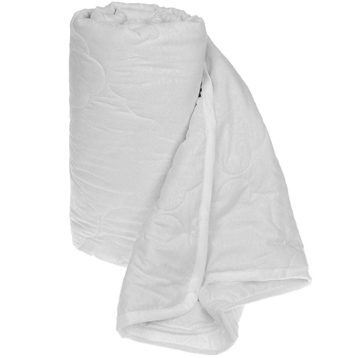 Одеяло Sova & Javoronok Бамбук, наполнитель: бамбуковое волокно, цвет: белый, 172 х 205 смS03301004Одеяло Sova & Javoronok Бамбук подарит комфорт и уют во время сна. Чехол, выполненный из микрофибры (100% полиэстера), оформлен стежкой и надежно удерживает наполнитель внутри. Волокно на основе бамбука - инновационный наполнитель, обладающий за счет своей пористой структуры хорошей воздухонепроницаемостью и высокой гигроскопичностью, обеспечивает оптимальный уровень влажности во время сна и создает чувство прохлады в жаркие дни.Антибактериальный эффект наполнителя достигается за счет содержания в нем специального компонента, а также за счет поглощения влаги, что создает сухой микроклимат, препятствующий росту бактерий. Основные свойства волокна: - хорошая терморегуляция, - свободная циркуляция воздуха, - антибактериальные свойства, - повышенная гигроскопичность, - мягкость и легкость, - удобство в эксплуатации и легкость стирки. Рекомендации по уходу: - Стирка запрещена. - Не отбеливать, не использовать хлоросодержащие моющие средства и стиральные порошки с отбеливателями.- Не выжимать в стиральной машине.- Чистка только с углеводородом, хлорным этиленом и монофтортрихлорметаном.Размер одеяла: 172 см х 205 см. Материал чехла: микрофибра (100% полиэстер). Материал наполнителя: бамбуковое волокно.