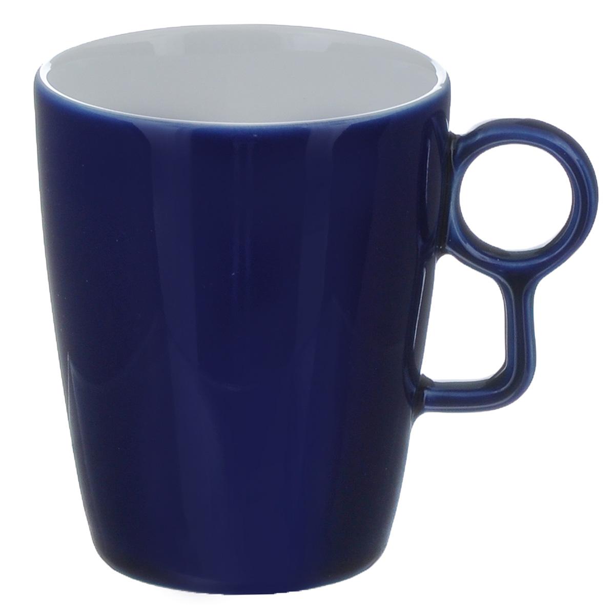 Кружка Sagaform Loop, цвет: синий, 250 мл5015910Кружка Sagaform выполнена из высококачественной керамики. Изделие оснащено удобной ручкой. Кружка сочетает в себе оригинальный дизайн и функциональность. Благодаря такой кружке пить напитки будет еще вкуснее. Кружка Sagaform согреет вас долгими холодными вечерами. Можно использовать в посудомоечной машине. Объем: 250 мл. Диаметр (по верхнему краю): 7,5 см. Высота кружки: 10 см.