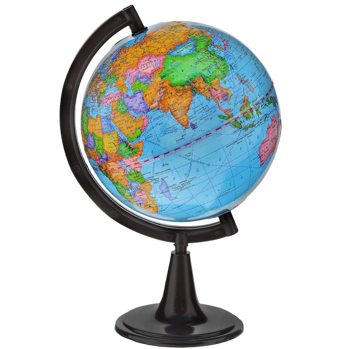 Глобусный мир Глобус с политической картой мира, рельефный, диаметр 15 смFS-00897Глобус с политической картой мира Глобусный мир, изготовленный из высококачественного прочного пластика, показываетстраны мира, сухопутные и морские границы того или иного государства, расположение городов и населенныхпунктов. Изделие расположено на подставке. На нем отображены картографические линии: параллели имеридианы, а также градусы и условные обозначения. На глобусе нанесен рельеф, который отчетливопоказывает рельеф местности и горные массивы. Все страны мира раскрашены в разные цвета. Глобус сполитической картой мира станет незаменимым атрибутом обучения не только школьника, но и студента.Названия стран на глобусе приведены на русской язык.Настольный глобус Глобусный мир станеторигинальным украшением рабочего стола или вашего кабинета. Это изысканная вещь для стильного интерьера,которая станет прекрасным подарком для современного преуспевающего человека, следующего последнимтенденциям моды и стремящегося к элегантности и комфорту в каждой детали.Масштаб: 1:84 000 000.