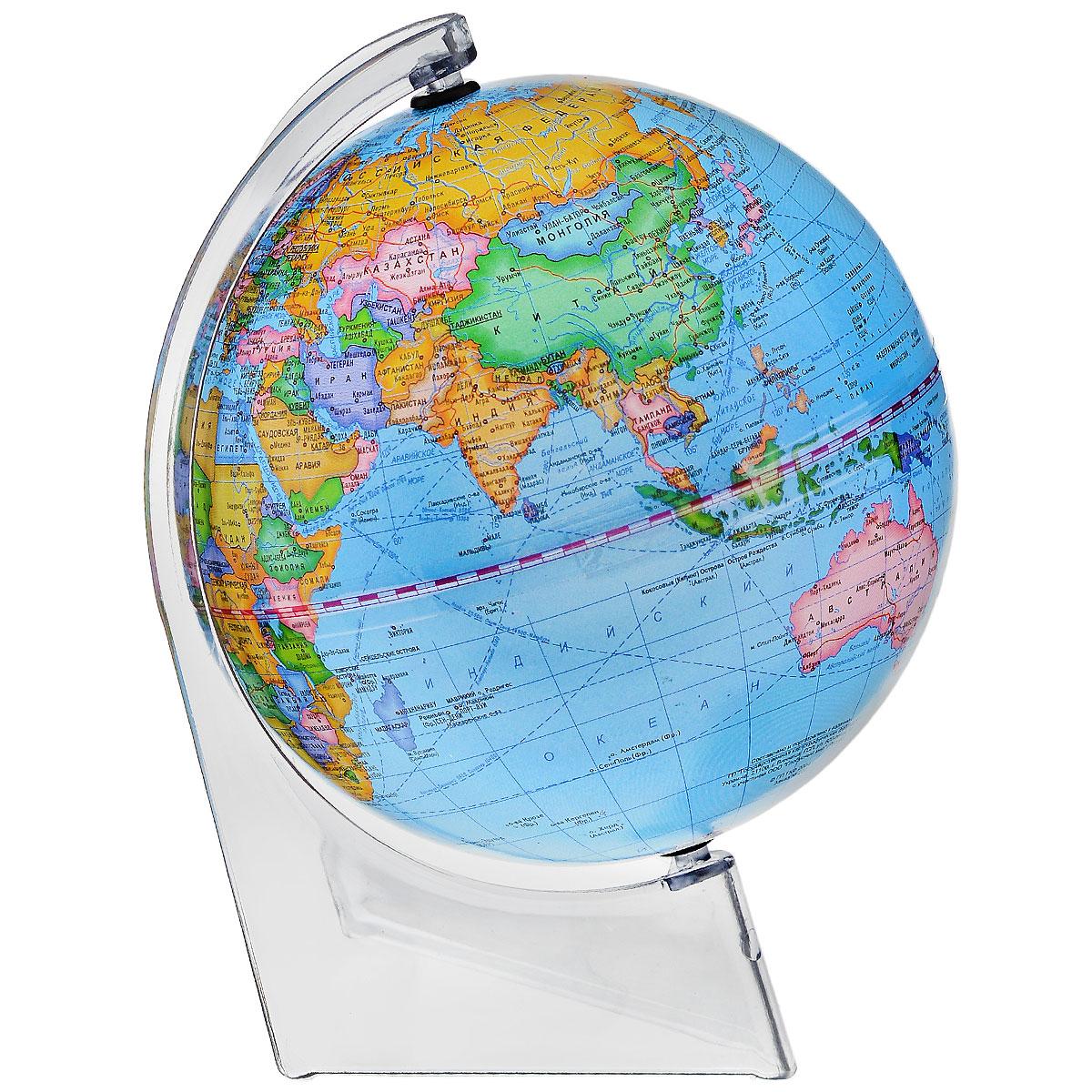 Глобусный мир Глобус с политической картой мира, диаметр 15 см10250Глобус Глобусный мир, с политической картой мира, изготовленный из высококачественного прочного пластика, показывает страны мира, сухопутные и морские границы того или иного государства, расположение городов и населенных пунктов. Изделие расположено на треугольной прозрачной подставке. На глобусе отображены картографические линии: параллели и меридианы, а также градусы и условные обозначения. Все страны мира раскрашены в разные цвета. Глобус с политической картой мира станет незаменимым атрибутом обучения не только школьника, но и студента. Названия стран на глобусе приведены на русской язык. Настольный глобус Глобусный мир станет оригинальным украшением рабочего стола или вашего кабинета. Это изысканная вещь для стильного интерьера, которая станет прекрасным подарком для современного преуспевающего человека, следующего последним тенденциям моды и стремящегося к элегантности и комфорту в каждой детали. Масштаб: 1:84 000 000.