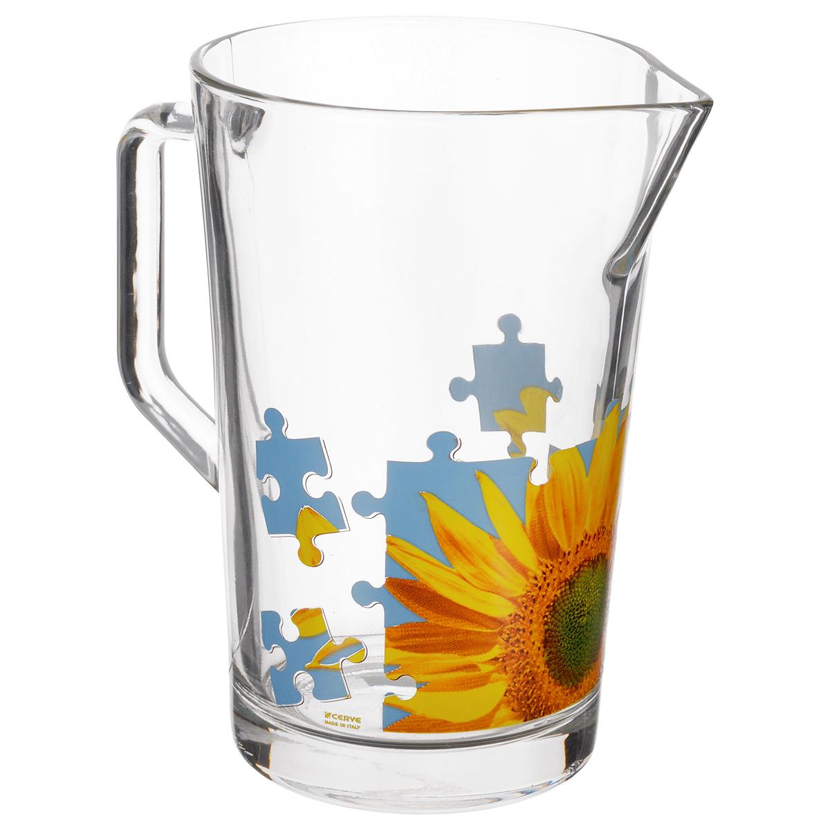 Кувшин Cerve Пазл Подсолнух, 1,3 лCEM42220Кувшин Cerve Пазл Подсолнух, выполненный из высококачественного стекла, оформлен изображением подсолнуха в виде пазла. Он оснащен удобной ручкой и прост в использовании, достаточно просто наклонить его и налить ваш любимый напиток. Изделие прекрасно подойдет для подачи воды, сока, компота и других напитков. Кувшин Cerve Пазл Подсолнух дополнит интерьер вашей кухни и станет замечательным подарком к любому празднику. Диаметр (по верхнему краю): 11,5 см. Высота кувшина: 18 см.
