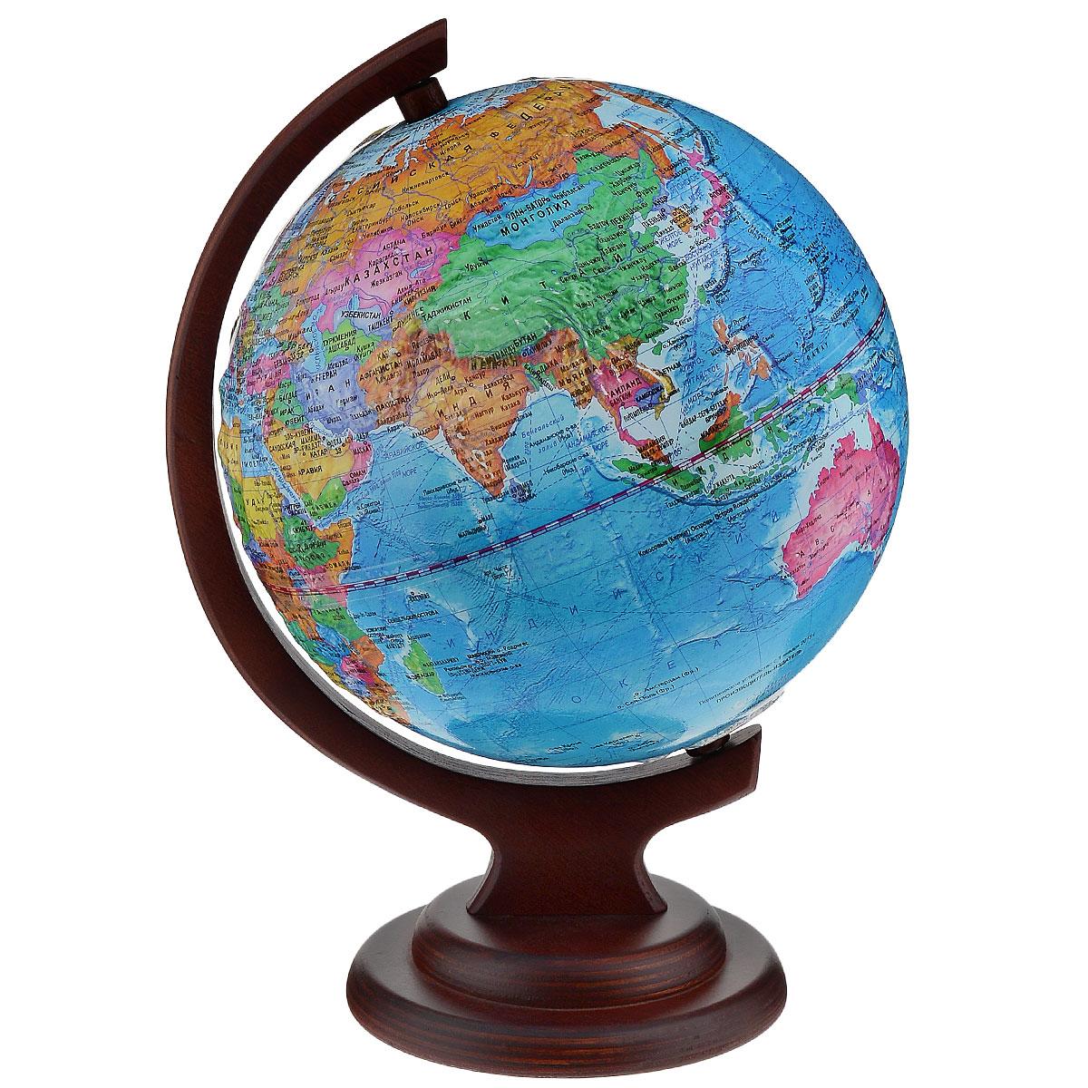 Глобусный мир Глобус с политической картой, рельефный, диаметр 21 см, на деревянной подставке10154Глобус рельефный с политической картой мира выполнен в высоком качестве, с четким и ярким изображением. Он даст представление о политическом устройстве мира. На нем отображены линии картографической сетки, показаны границы государств и демаркационные линии, столицы и крупные населенные пункты, линия перемены дат. Глобус легко вращается вокруг своей оси. Глобус является уменьшенной и практически не искаженной моделью Земли и предназначен для использования в качестве наглядного картографического пособия, а также для украшения интерьера квартир, кабинетов и офисов. Красочность, повышенная наглядность визуального восприятия взаимосвязей, отображенных на глобусе объектов и явлений, в сочетании с простотой выполнения по нему различных измерений делают глобус доступным широкому кругу потребителей для получения разнообразной познавательной, научной и справочной информации о Земле. Глобус на оригинальной деревянной подставке. Масштаб: 1:60000000.
