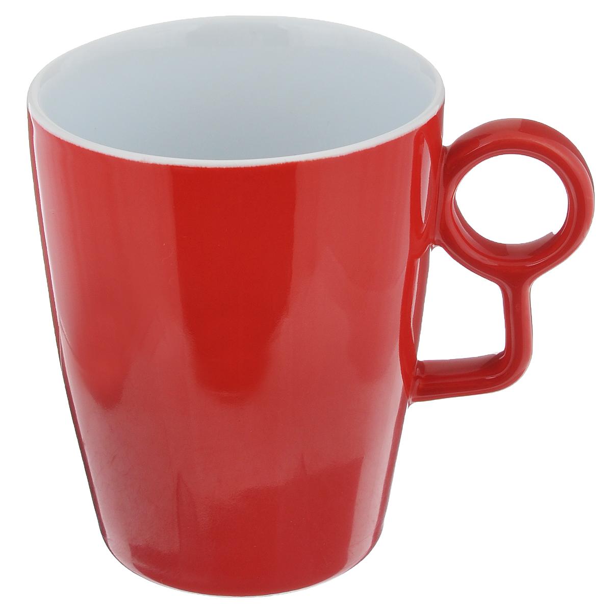 Кружка Sagaform Loop, цвет: красный, 250 мл5015981Кружка Sagaform Loop выполнена из высококачественной керамики. Изделие оснащено удобной ручкой. Кружка сочетает в себе оригинальный дизайн и функциональность. Благодаря такой кружке пить напитки будет еще вкуснее. Кружка Sagaform согреет вас долгими холодными вечерами. Можно использовать в посудомоечной машине. Объем: 250 мл. Диаметр (по верхнему краю): 8 см. Высота кружки: 10 см.