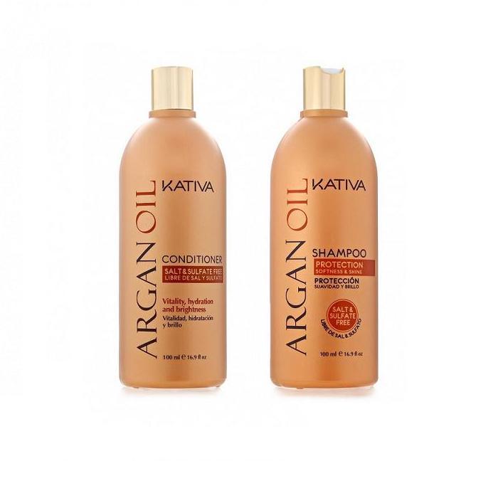 Kativa Набор увлажняющий кондиционер и шампунь с маслом Арганы 2х100мл ARGANA65803074Шампунь, содержащий чистейшее аргановое масло, отлично очищает волосы, придавая им желанную шелковистость. Активные компоненты, входящие в состав, возвращают волосам силу, увлажняют и разглаживают по всей длине. Шампунь защищает волосы от пересушивания, вызванного влиянием негативных факторов окружающей среды, а также способствует сохранению цвета окрашенных волос. Способ применения: Равномерно нанесите на влажные волосы, вспеньте и сделайте легкий массаж. Тщательно смойте. При необходимости повторите процедуру. Бальзам, входящий в набор, возвращает блеск и мягкость поврежденным волосам, восстанавливая их структуру. Дополняет мытье волос, покрывая их тончайшей защитной пленкой и облегчая укладку. Укрепляющий кондиционер превосходно восстанавливает природную упругость и прочность волос. Придает им игривый блеск, облегчает расчесывание и защищает от воздействия внешних факторов. Способ применения: нанесите на чистые вымытые волосы только по длине, оставьте на 5 минут для...