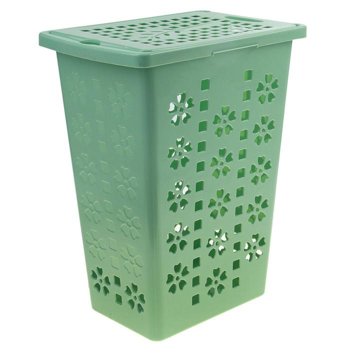 Корзина для белья Альтернатива Виолетта, цвет: зеленый, 30 л80653Легкая и удобная корзина Альтернатива Виолетта прямоугольной формы, изготовлена из пластика. Она отлично подойдет для хранения белья перед стиркой. Корзина, декорированная небольшими отверстиями в форме цветов и квадратиков, скрывает содержимое корзины от посторонних. Отверстия создают идеальные условия для проветривания. Изделие оснащено крышкой и отверстием для переноски корзины. Такая корзина для белья прекрасно впишется в интерьер ванной комнаты.Объем: 30 л. Размер корзины: 37 см х 25,5 см х 48 см.
