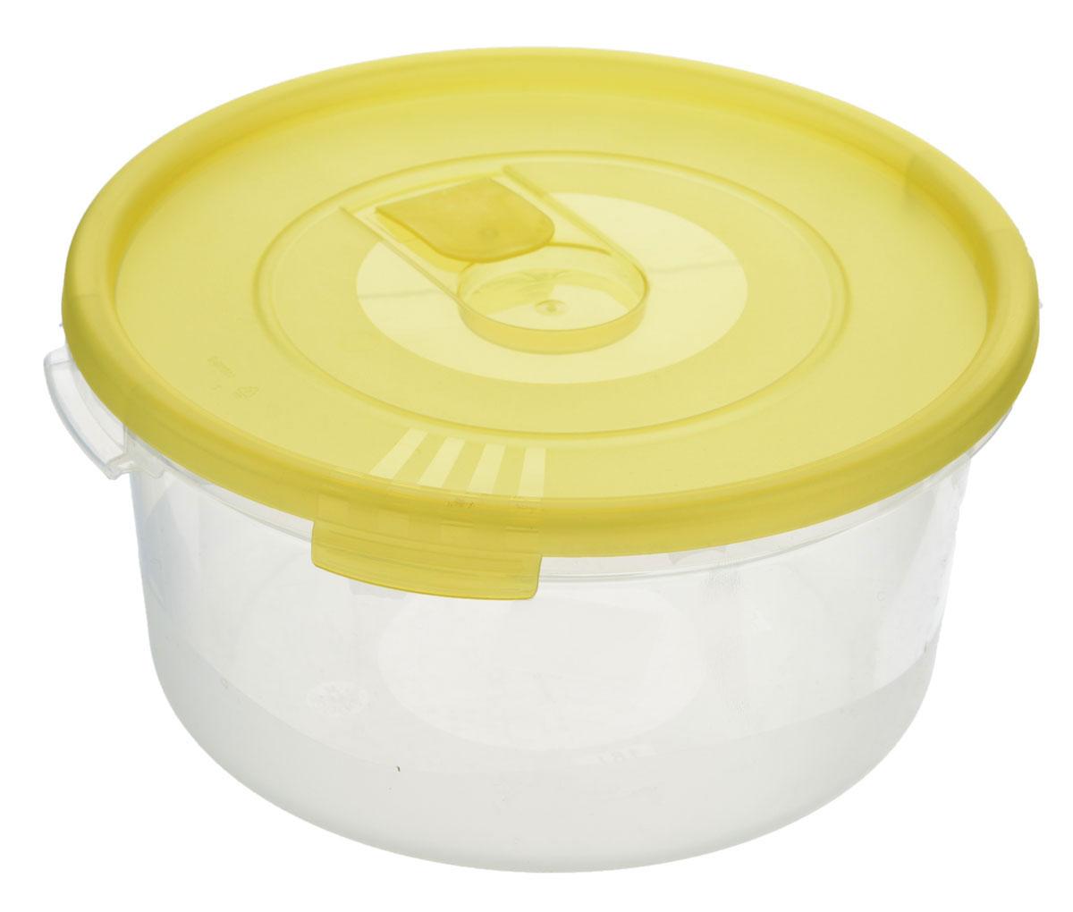 Контейнер Полимербыт Смайл, цвет: прозрачный, желтый, 1,6 лС522_желтыйКонтейнер Полимербыт Смайл круглой формы, изготовленный из прочного пластика, предназначен специально для хранения пищевых продуктов. Контейнер оснащен герметичной крышкой со специальным клапаном, благодаря которому внутри создается вакуум, и продукты дольше сохраняют свежесть и аромат. Крышка легко открывается и плотно закрывается. Стенки контейнера прозрачные - хорошо видно, что внутри. Контейнер устойчив к воздействию масел и жиров, легко моется. Имеет возможность хранения продуктов глубокой заморозки, обладает высокой прочностью. Можно мыть в посудомоечной машине. Подходит для использования в микроволновых печах. Диаметр: 20 см. Высота (без крышки): 9 см.