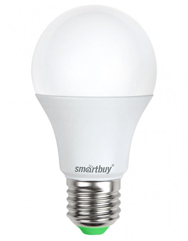 Лампа светодиодная Smartbuy, А60, холодный свет, цоколь Е27, 7 ВтC0042411Светодиодная лампа Smartbuy - энергосберегающая лампа общего освещения, подходит для замены стандартных ламп накаливания и галогенных. Благодаря своей экономичности, длительному сроку службы и экологичности светодиодные лампы выгодно отличаются от своих предшественников. Колба лампы матовая, грушевидной формы. Идеально подходит к любому светильнику, в котором используются данные типы ламп. В светодиодных лампах серии A60 применяются высокоэффективные светодиоды, обеспечивающие эффективность до 80 лм/Вт. При этом коэффициент цветопередачи ламп обеспечивается на уровне Ra>80. Особенности: - Хорошая цветопередача. - Отсутствие мерцания обеспечивает меньшую утомляемость глаз. - Высокоэффективный драйвер обеспечивает стабильную работу. - Устойчивость к механическому воздействию. - Большой срок службы - 30 000 часов работы. - Широкий рабочий температурный режим от -25° до +45°С. - Не содержит ртуть, экологически безопасна. Тип колбы: А60. Индекс цветопередачи: RA>80. Частота: 50 Гц. Напряжение: 220-240 В. Коэффициент мощности: 0,06.