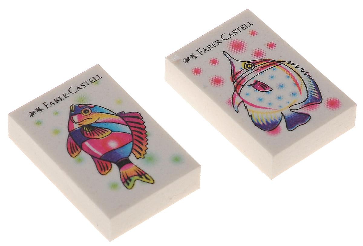 Faber-Castell Ластик Рыбки 2 шт263313Ластик Faber-Castell Рыбкис изображением красивых рыбок не содержит ПВХ, пригоден для графитных простых и цветных карандашей. Размеры ластика: 3,5 см х 2,2 см х 0,5 см. В комплекте 2 ластика. Уважаемые клиенты! Обращаем ваше внимание на возможные изменения в дизайне рисунка на ластике, связанные с ассортиментом продукции. Поставка осуществляется в зависимости от наличия на складе.