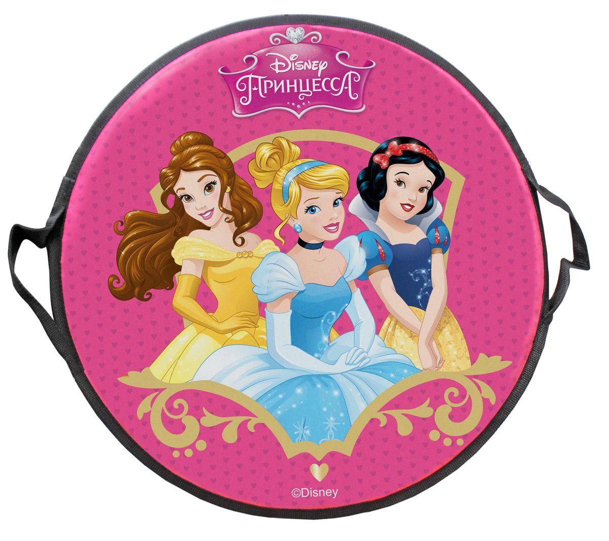 DISNEY Принцесса Ледянка круглая Disney Принцессы 52 смТ58174Ледянка Disney Принцессы станет прекрасным подарком. Изделие предназначено катания с горок и идеально подойдет для девочек. Ледянка развивает на спуске хорошую скорость. Плотные ручки, расположенные по краям изделия помогут не упасть.