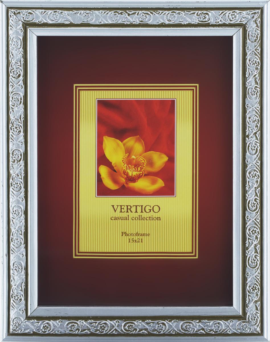 Фоторамка Vertigo Lazio, 15 x 21см12886 H6017/886Фоторамка Vertigo Lazio выполнена в классическом стиле из натурального дерева и стекла, защищающего фотографию. Оборотная сторона рамки оснащена специальной ножкой, благодаря которой ее можно поставить на стол или любое другое место в доме или офисе. Также на изделии имеются два специальных отверстия для подвешивания. Такая фоторамка поможет вам оригинально и стильно дополнить интерьер помещения, а также позволит сохранить память о дорогих вам людях и интересных событиях вашей жизни. Размер фотографии: 15 см x 21см.