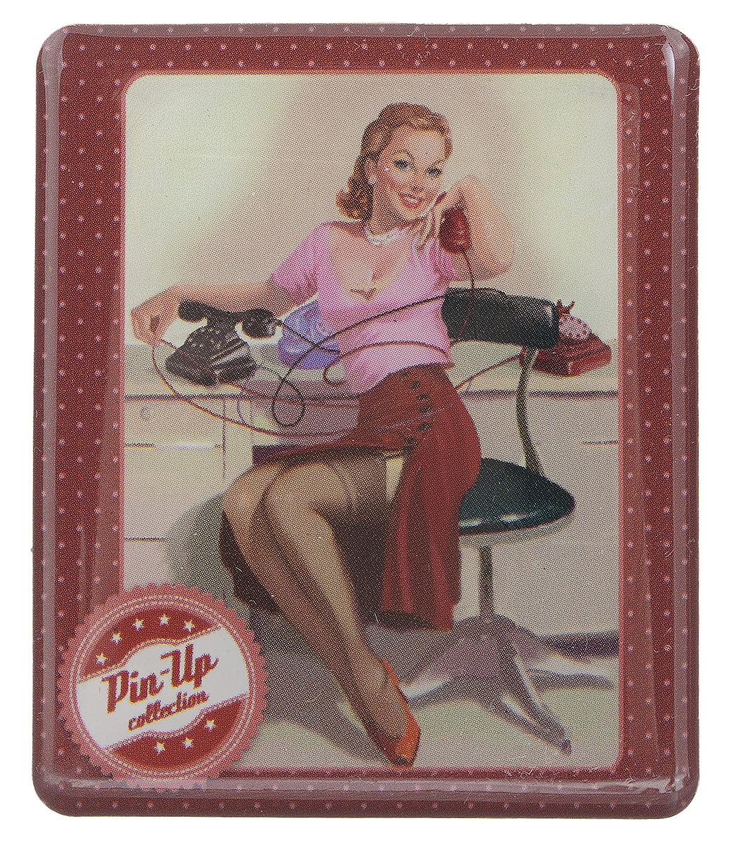 Магнит Феникс-презент Девушка пинап, 6 x 5 см31536Магнит прямоугольной формы Феникс-презент Девушка пинап, выполненный из агломерированного феррита, станет приятным штрихом в повседневной жизни. Оригинальный магнит, декорированный изображением девушки с телефоном, поможет вам украсить не только холодильник, но и любую другую магнитную поверхность. Материал: агломерированный феррит.